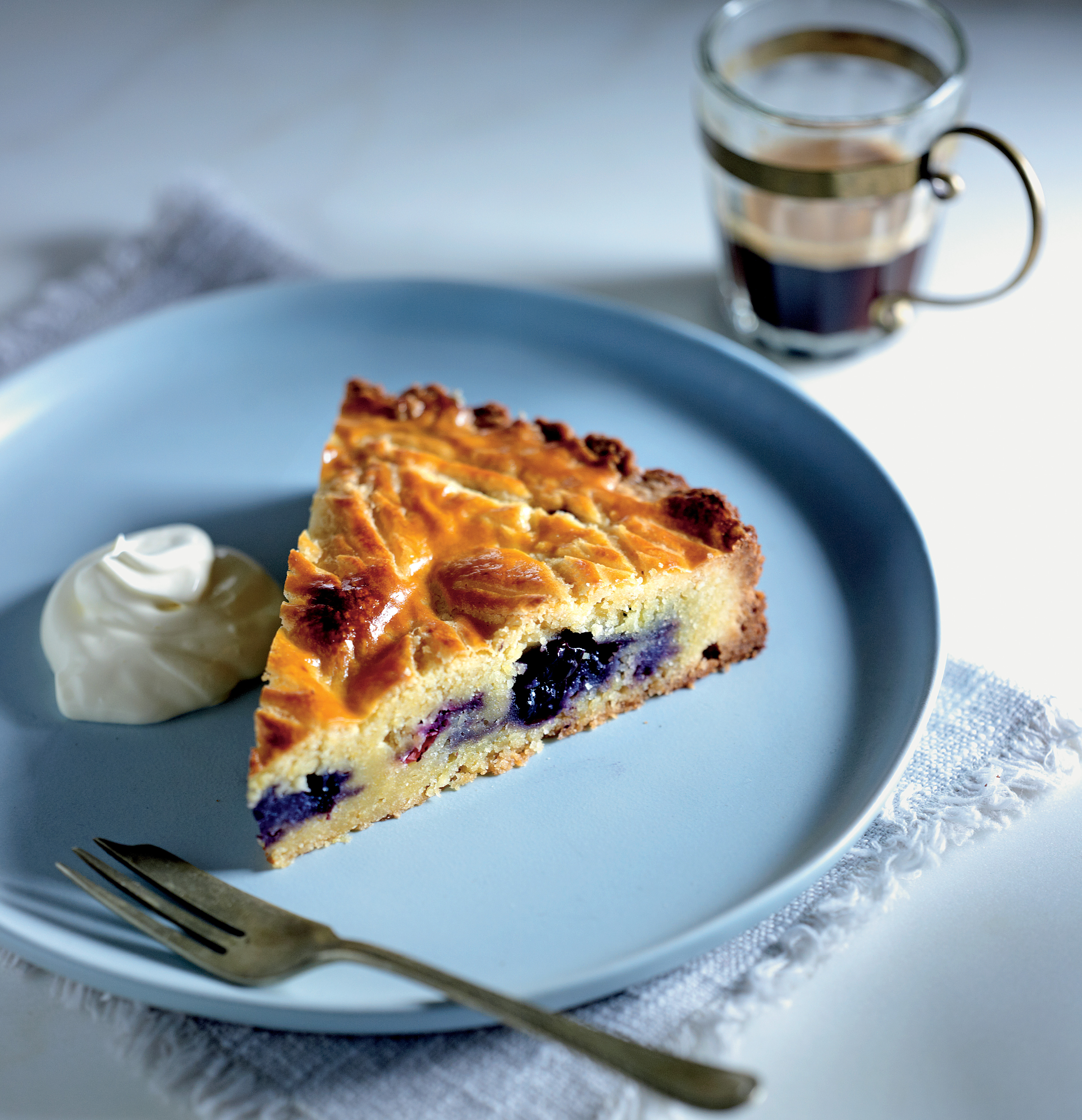 Almond and blueberry galette