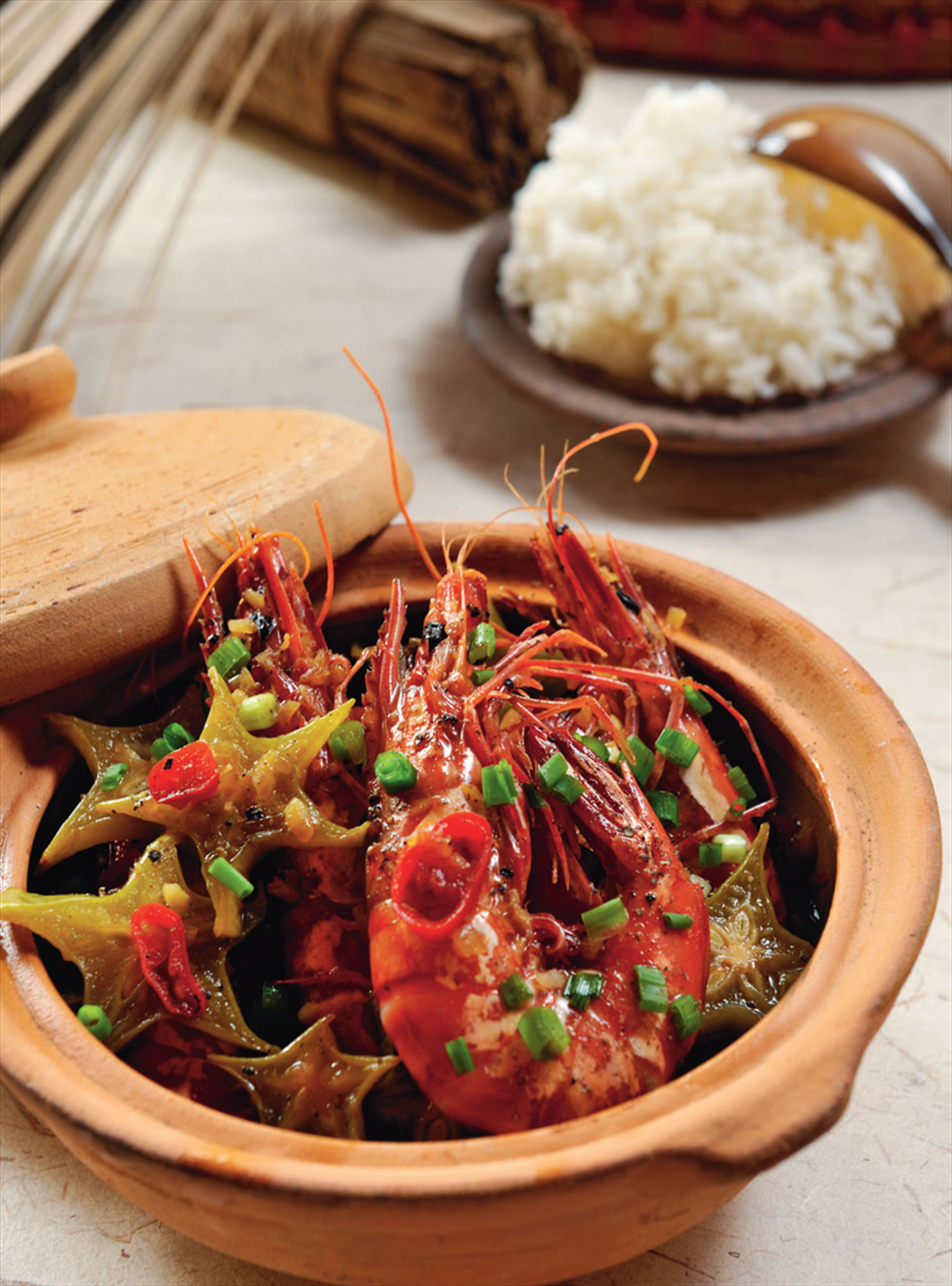Prawn and carambola clay pot