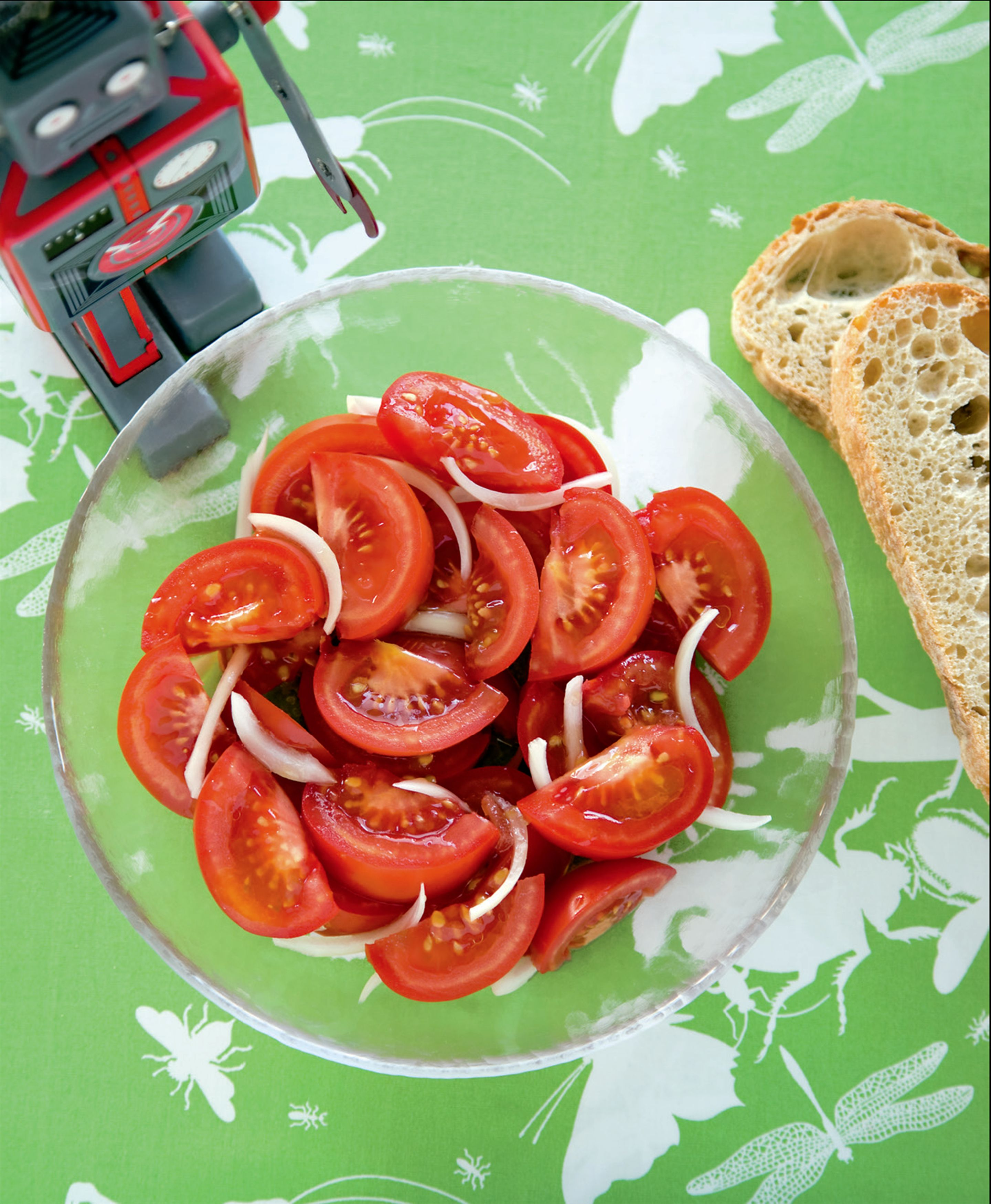 Juicy tomato salad