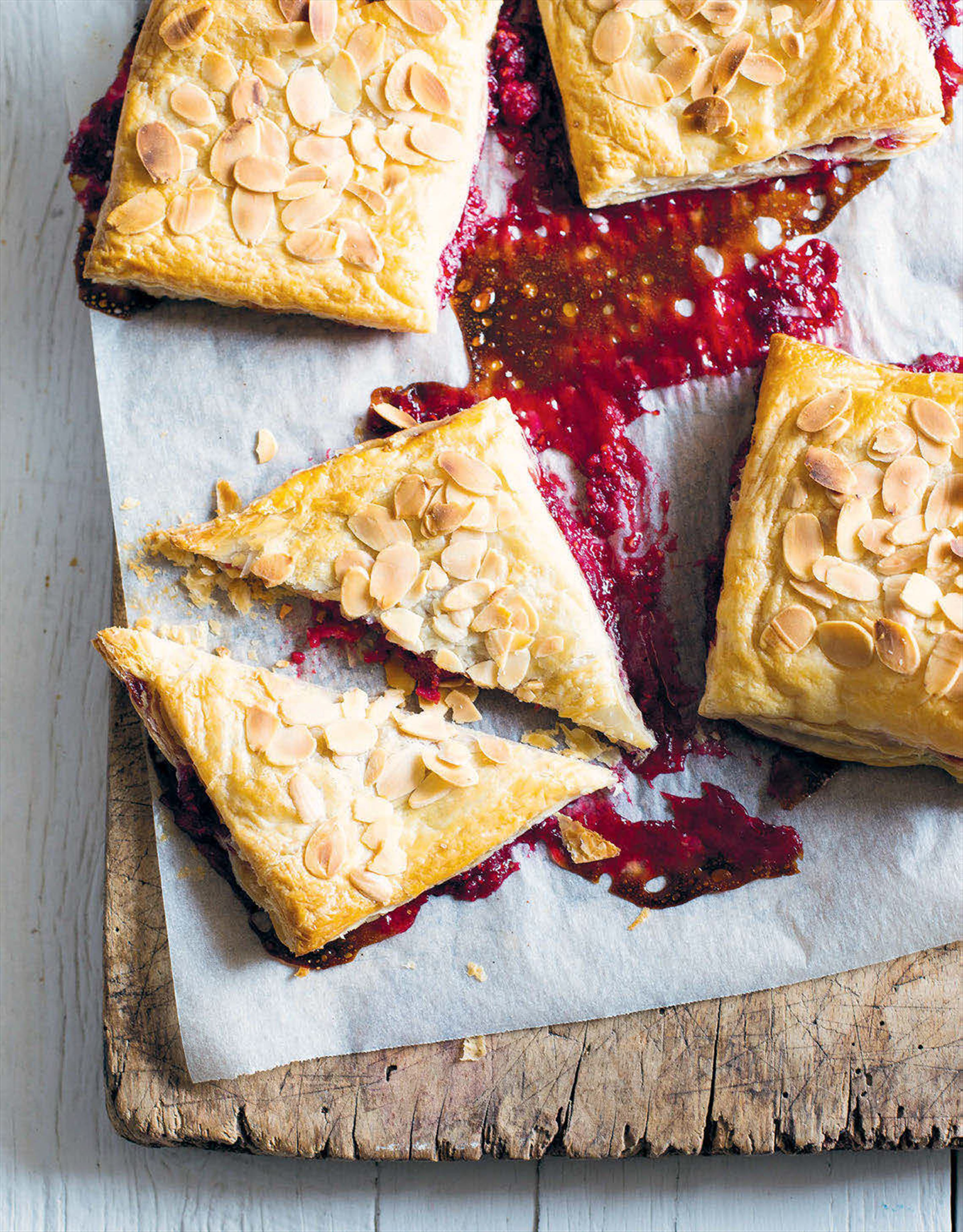 Almond, vanilla and raspberry handpies