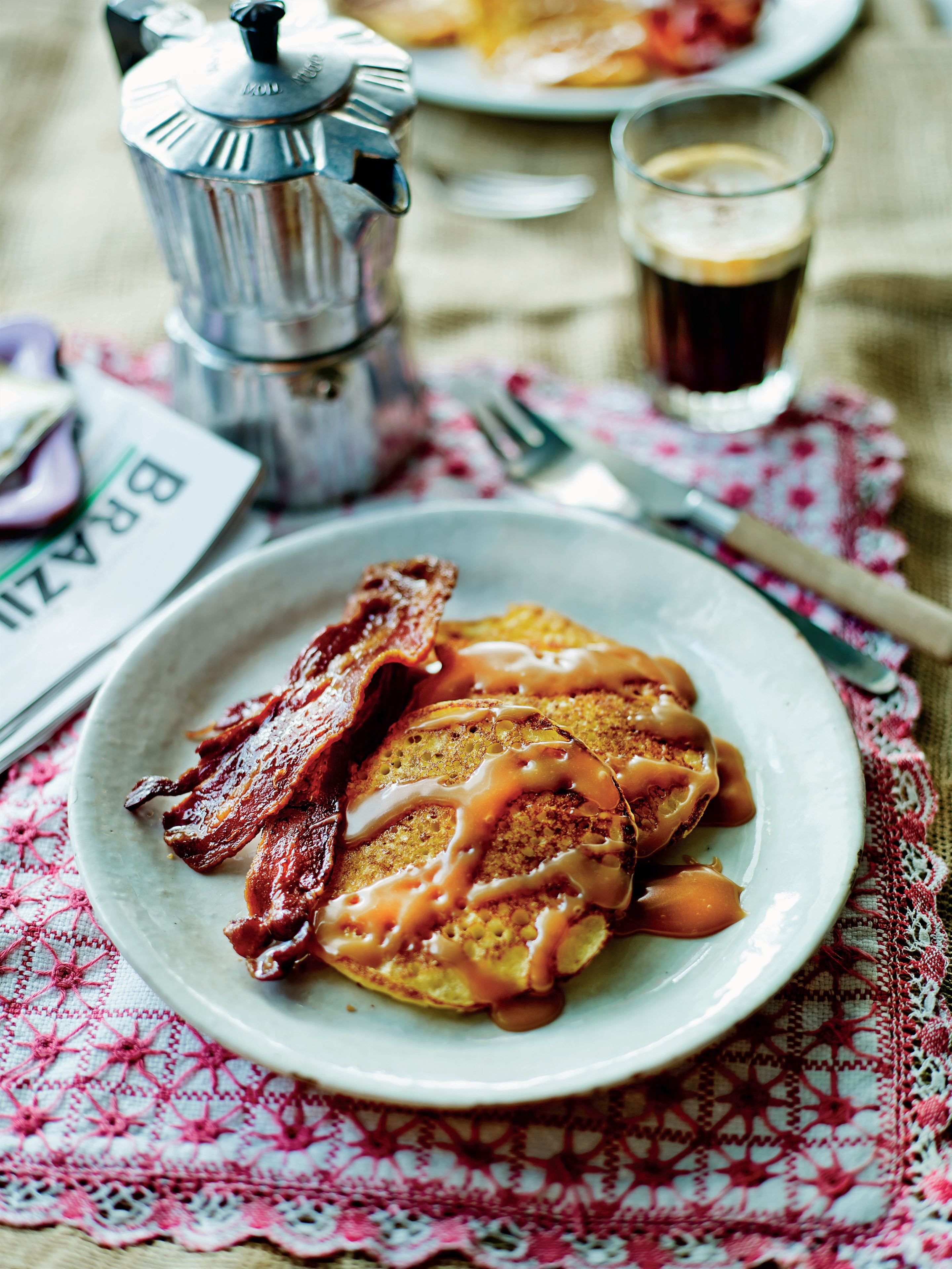 Corn cakes with bacon and doce de leite