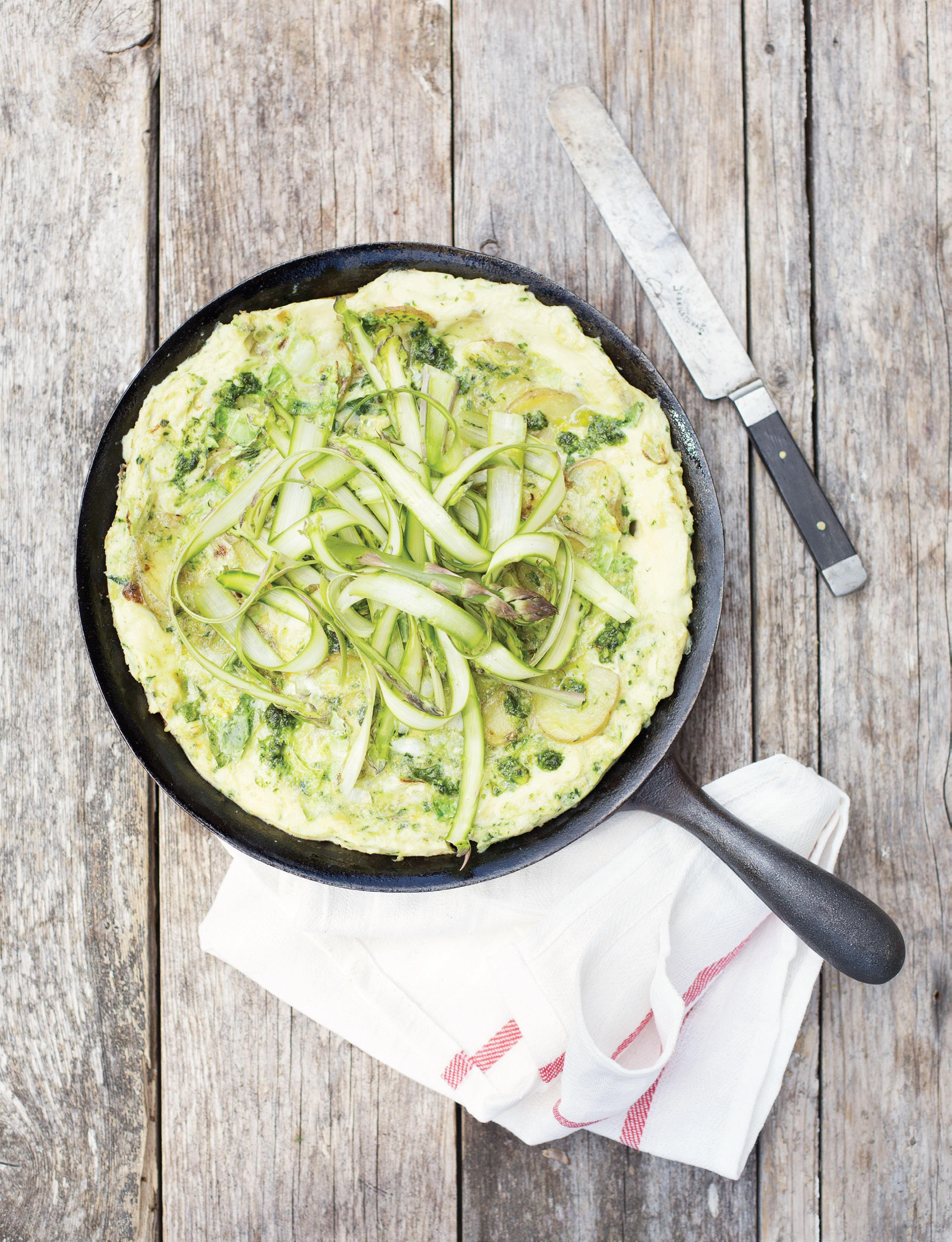Herb and asparagus frittata