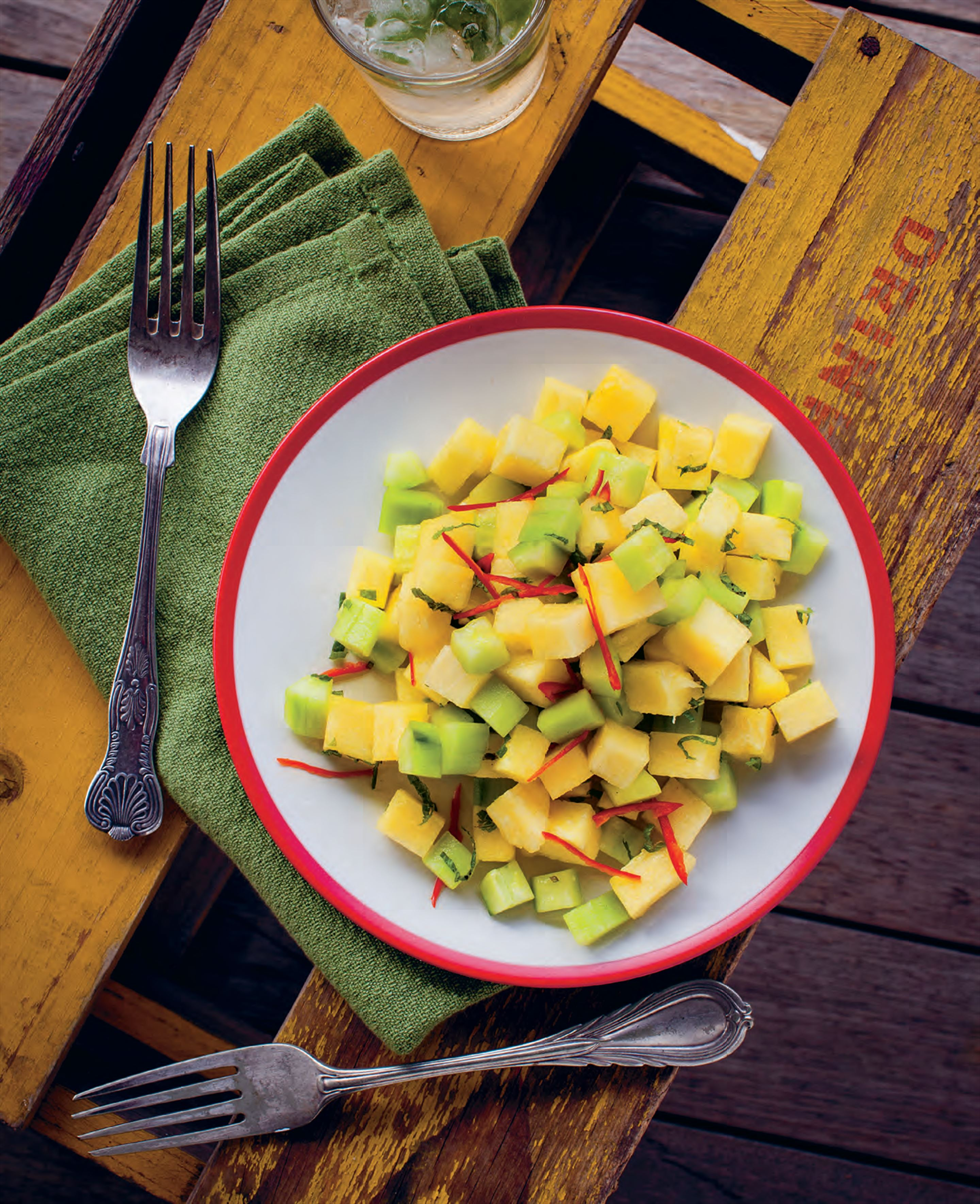 Pineapple, cucumber and chilli salad