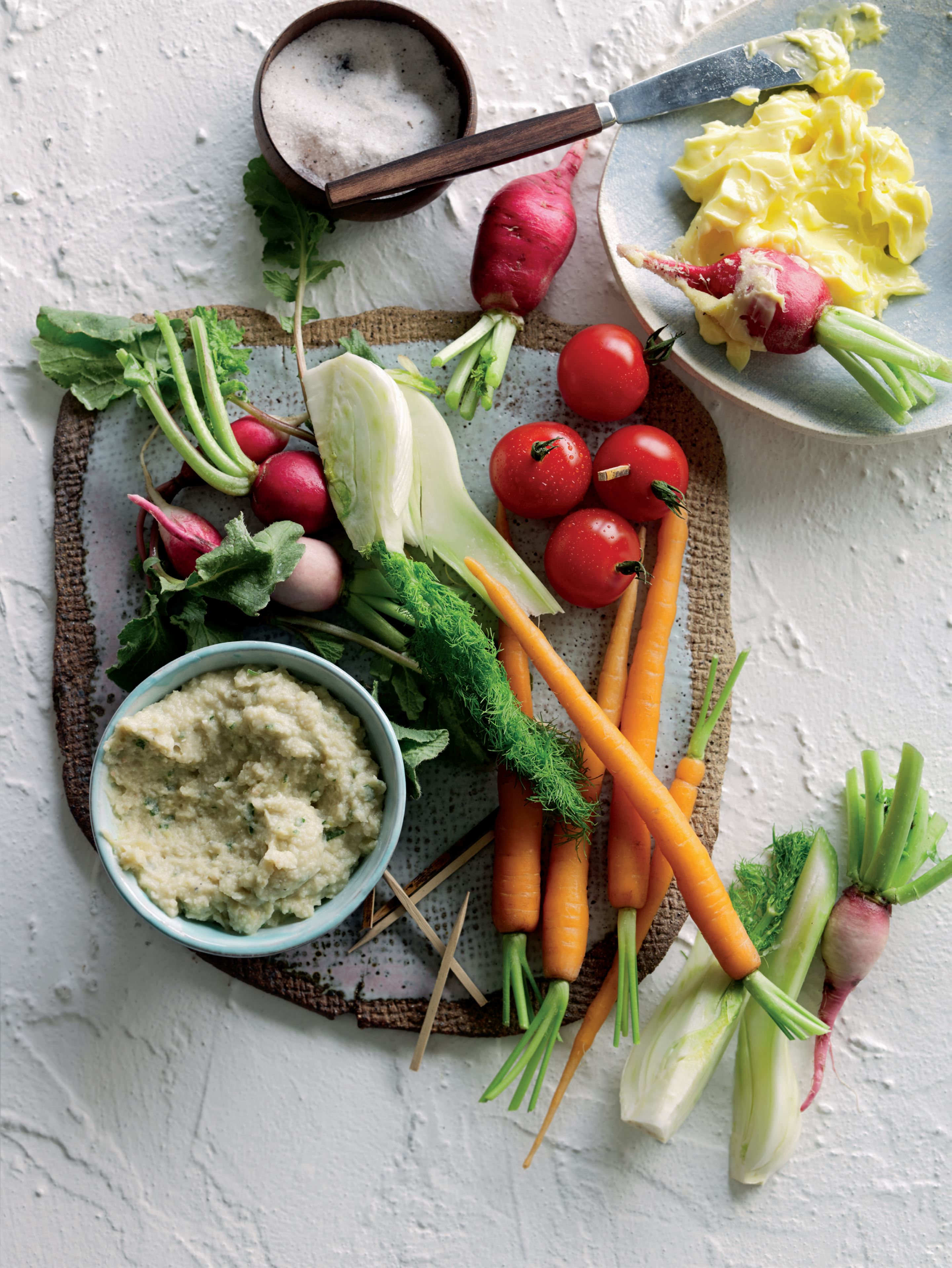 Cannellini bean, parmesan and artichoke dip with crudités