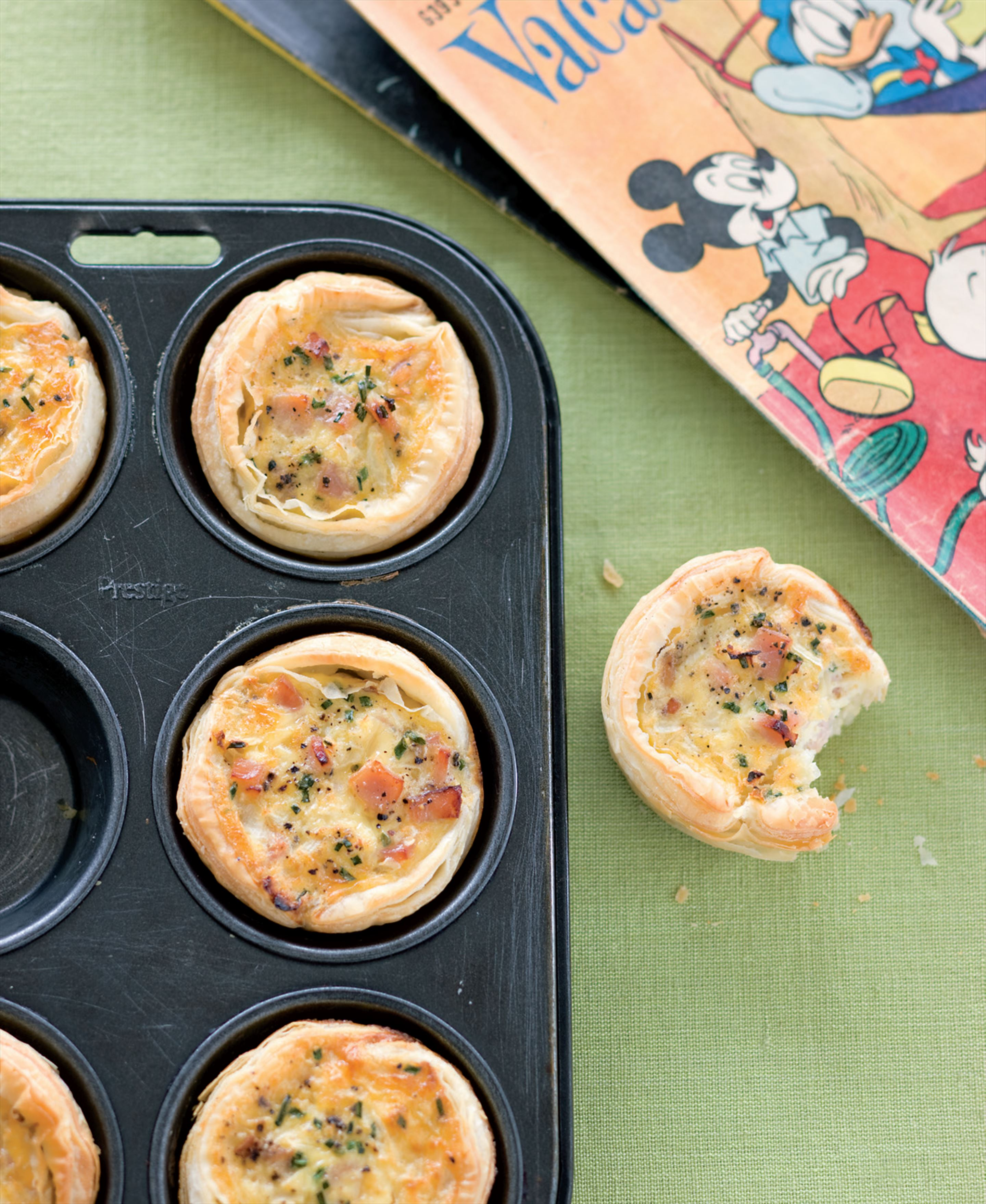 Little egg and bacon breakfast pies