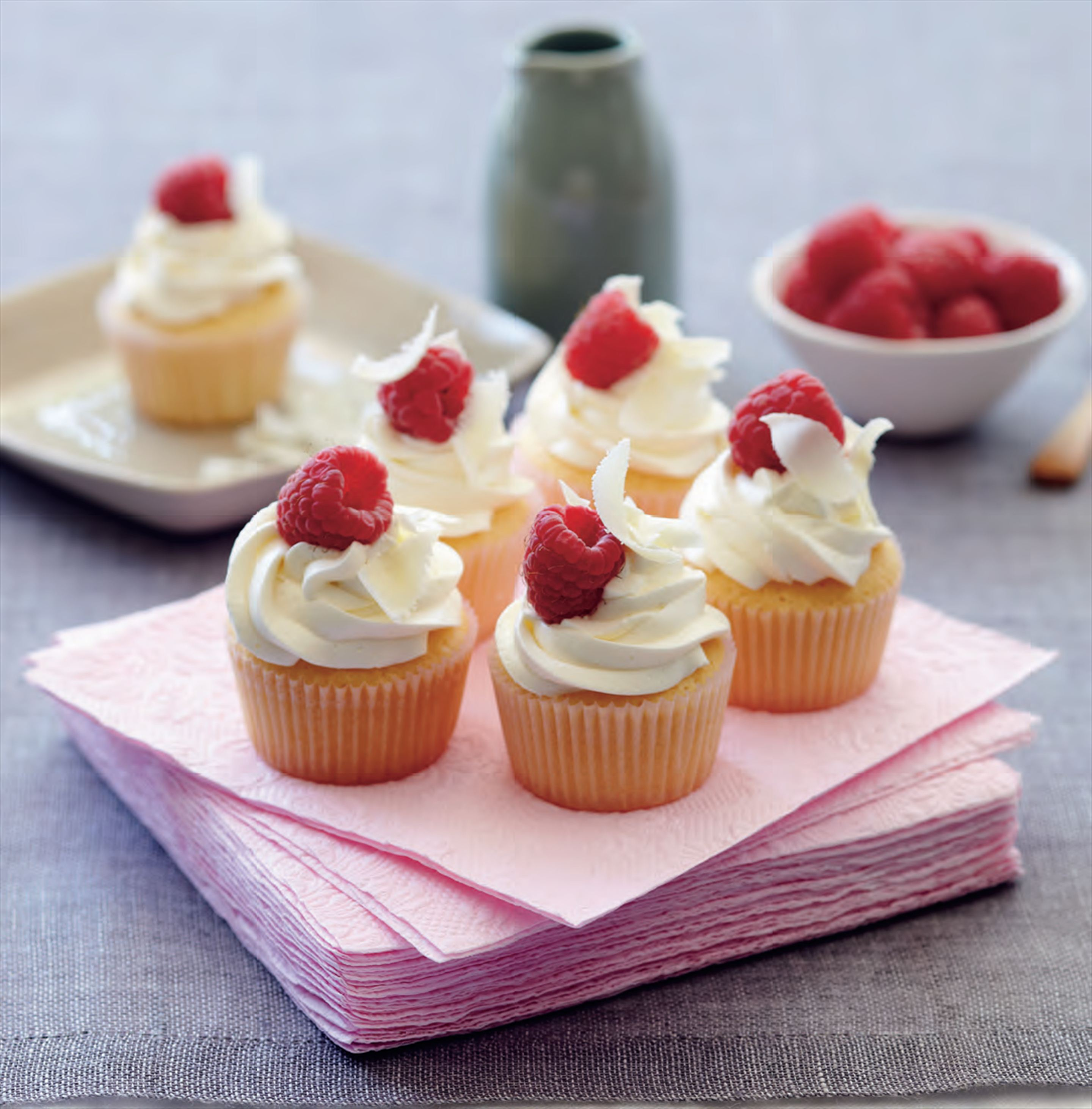 Raspberry cupcakes with white chocolate ganache