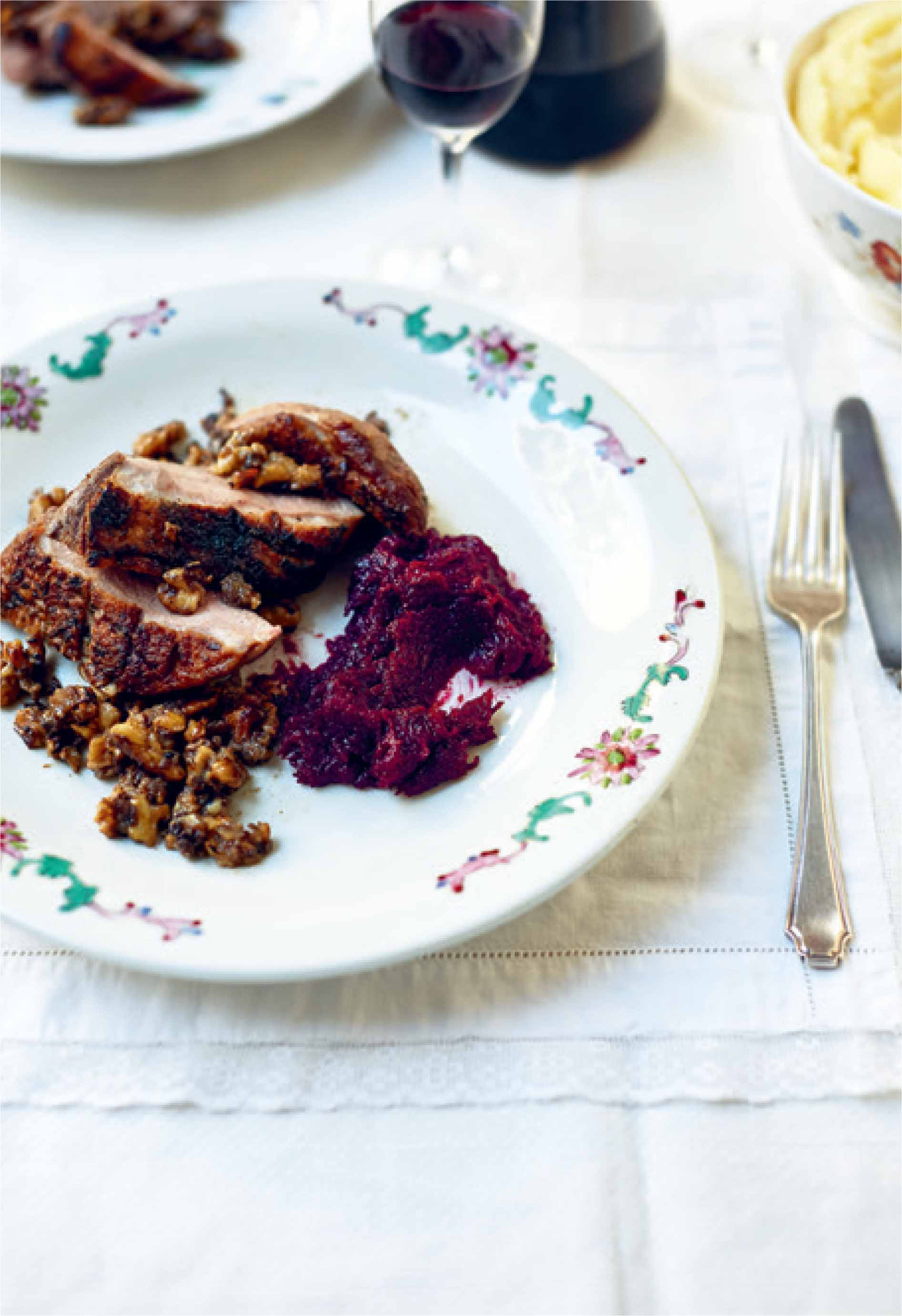 Crispy duck with apple and walnut sauce