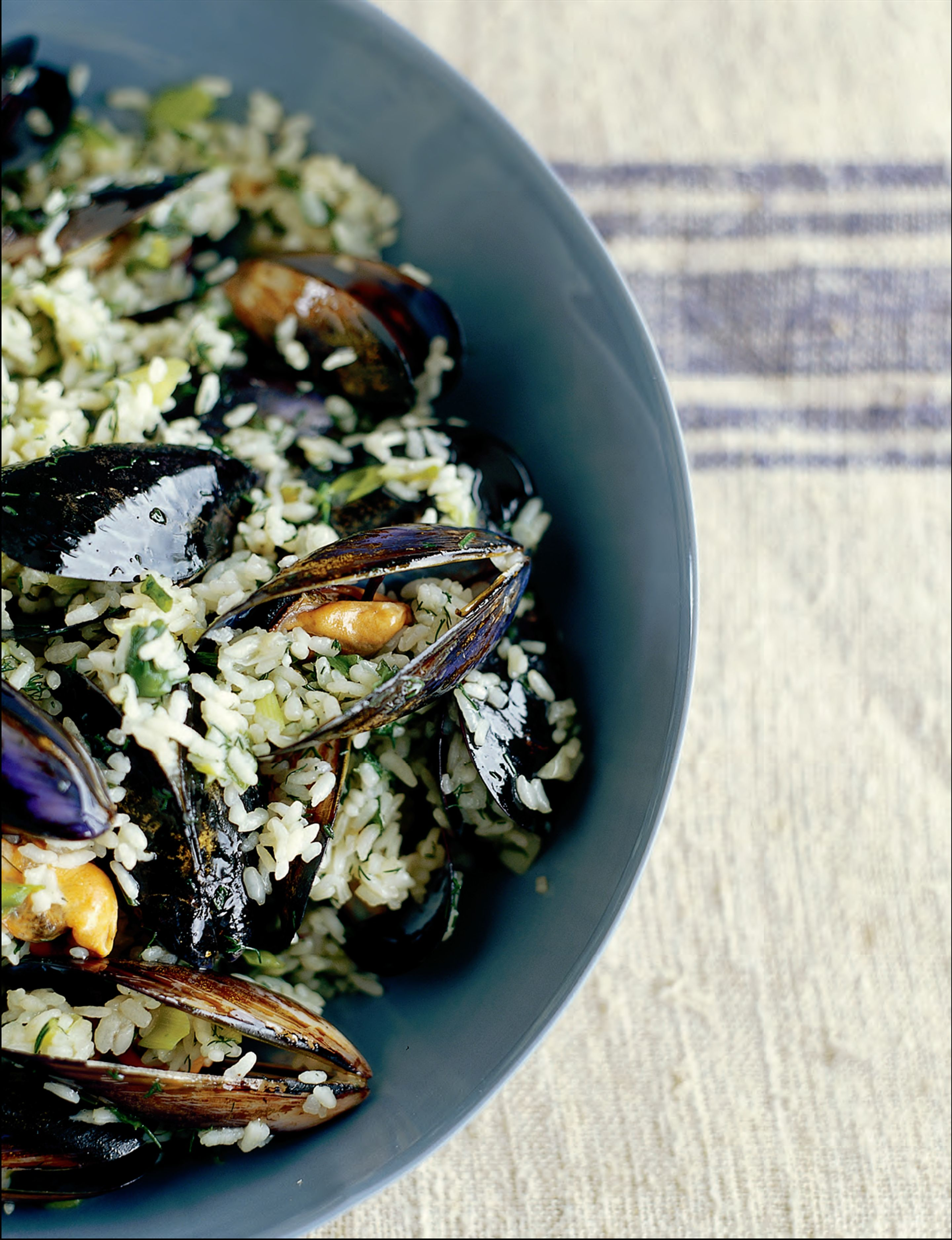 Mussels with rice and dill