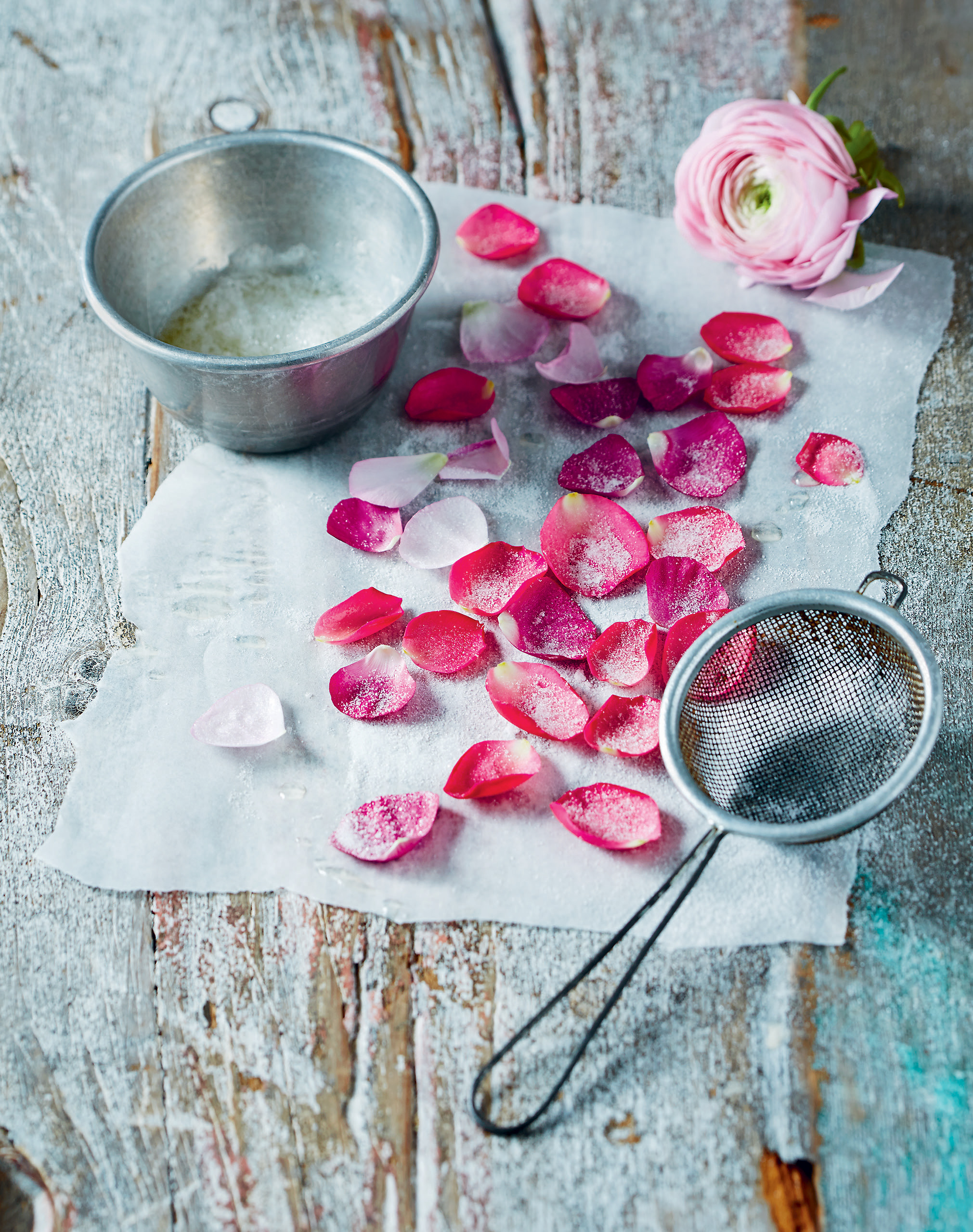 How to make crystallised rose petals