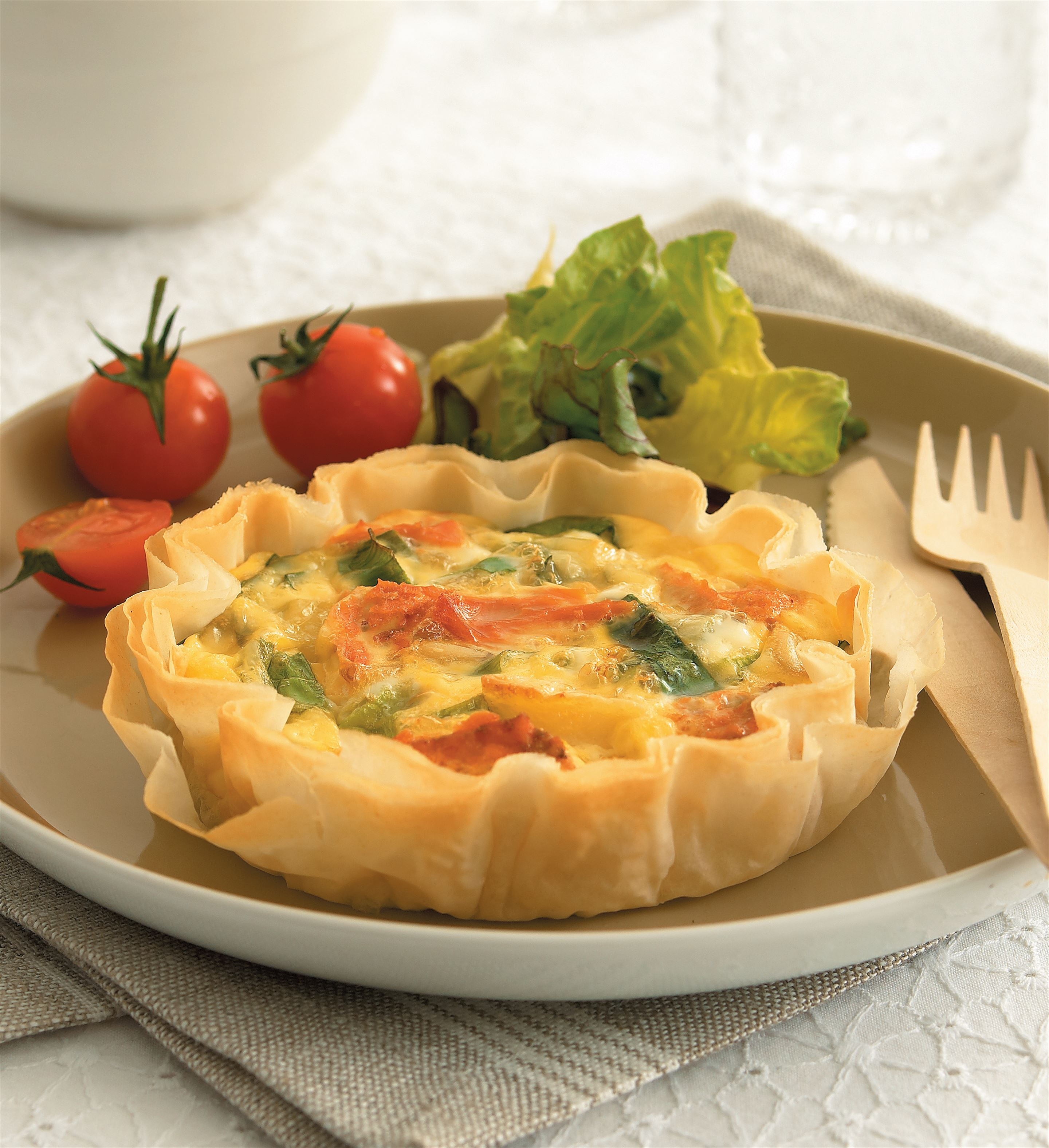 Light salmon quiche