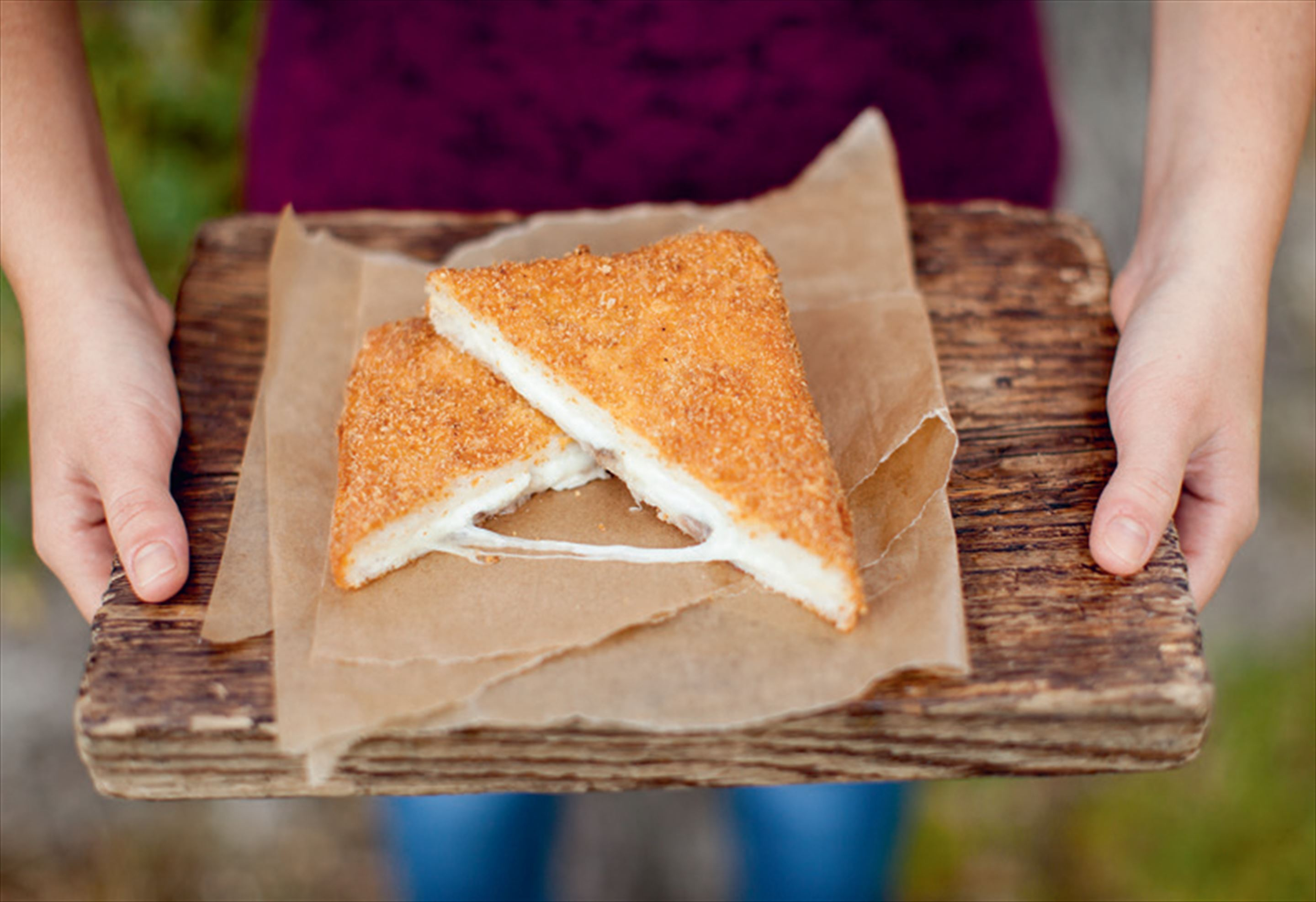 Deep-fried mozzarella sandwiches
