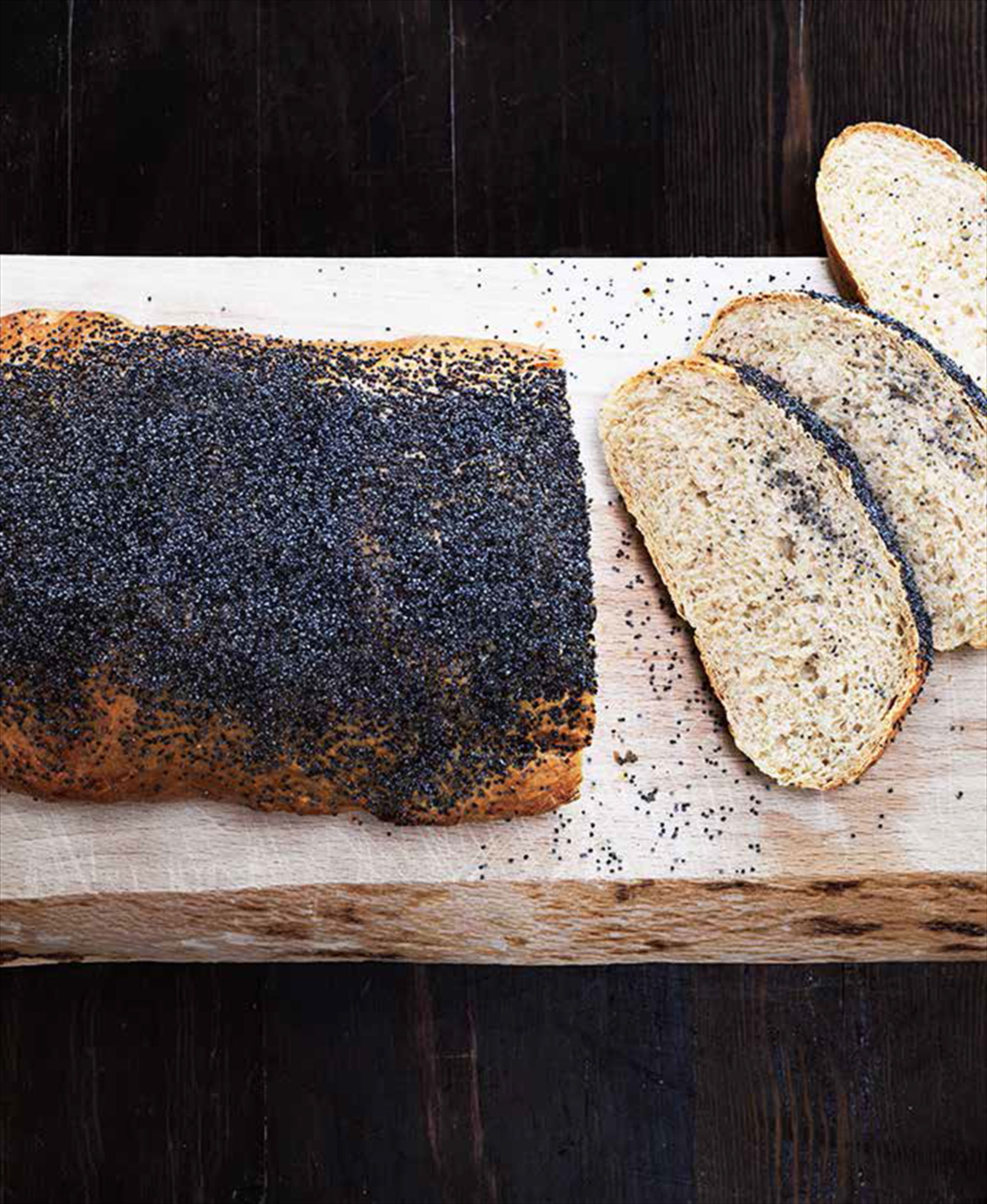 Mormor's white bread with poppy seeds