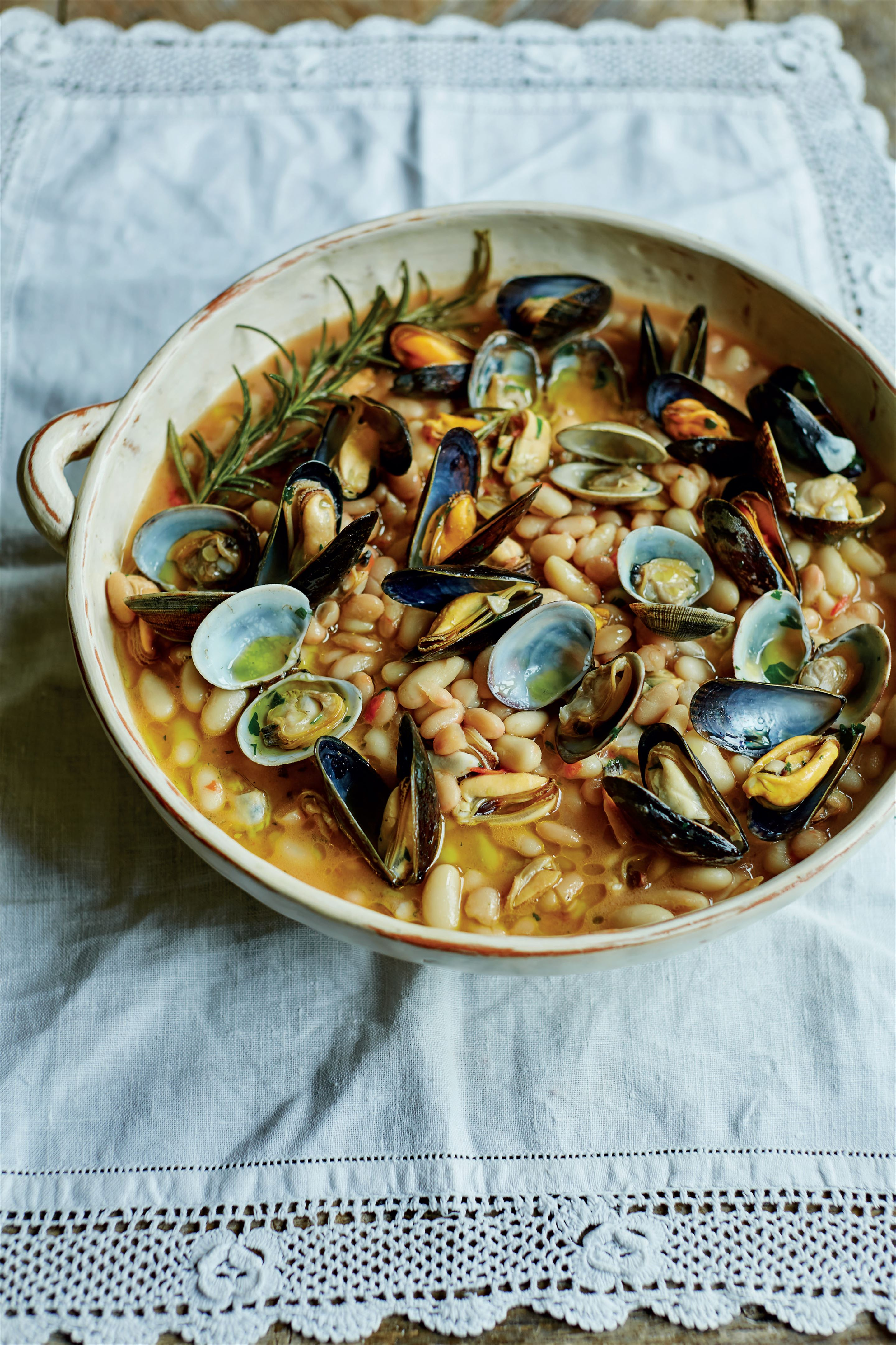 Cannellini beans with mussels and clams