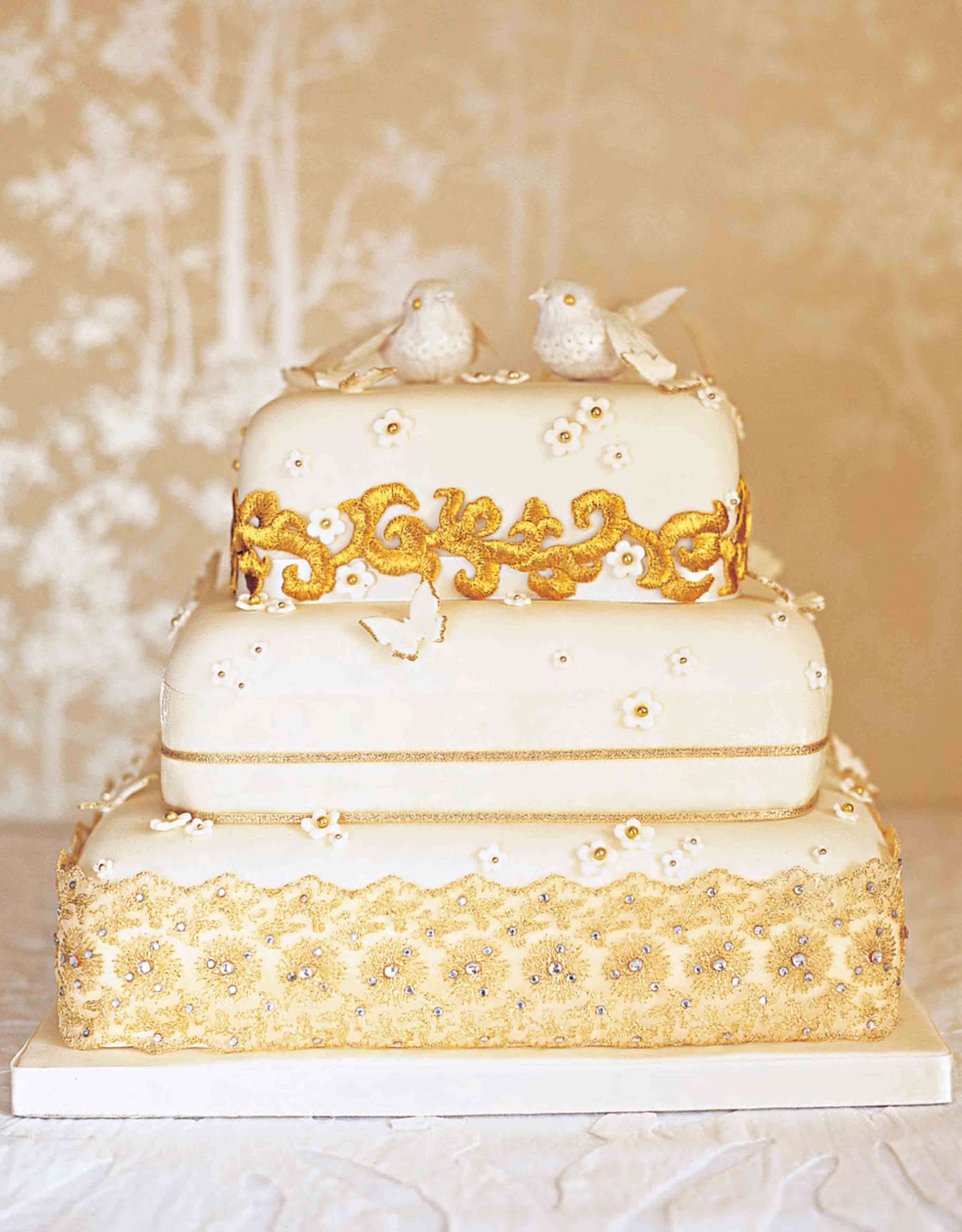 Vintage glamour wedding cake