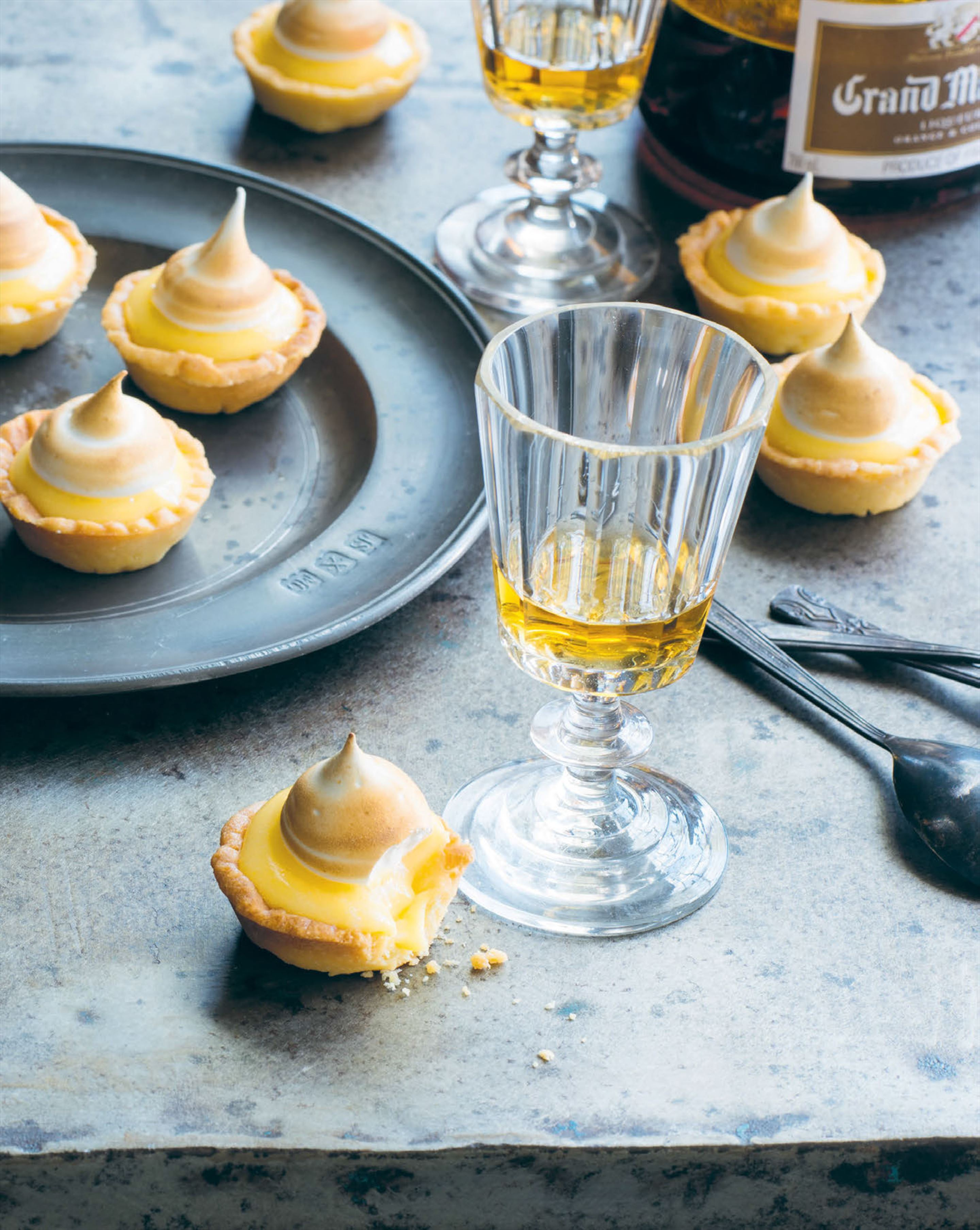Petit lemon meringue tartlets