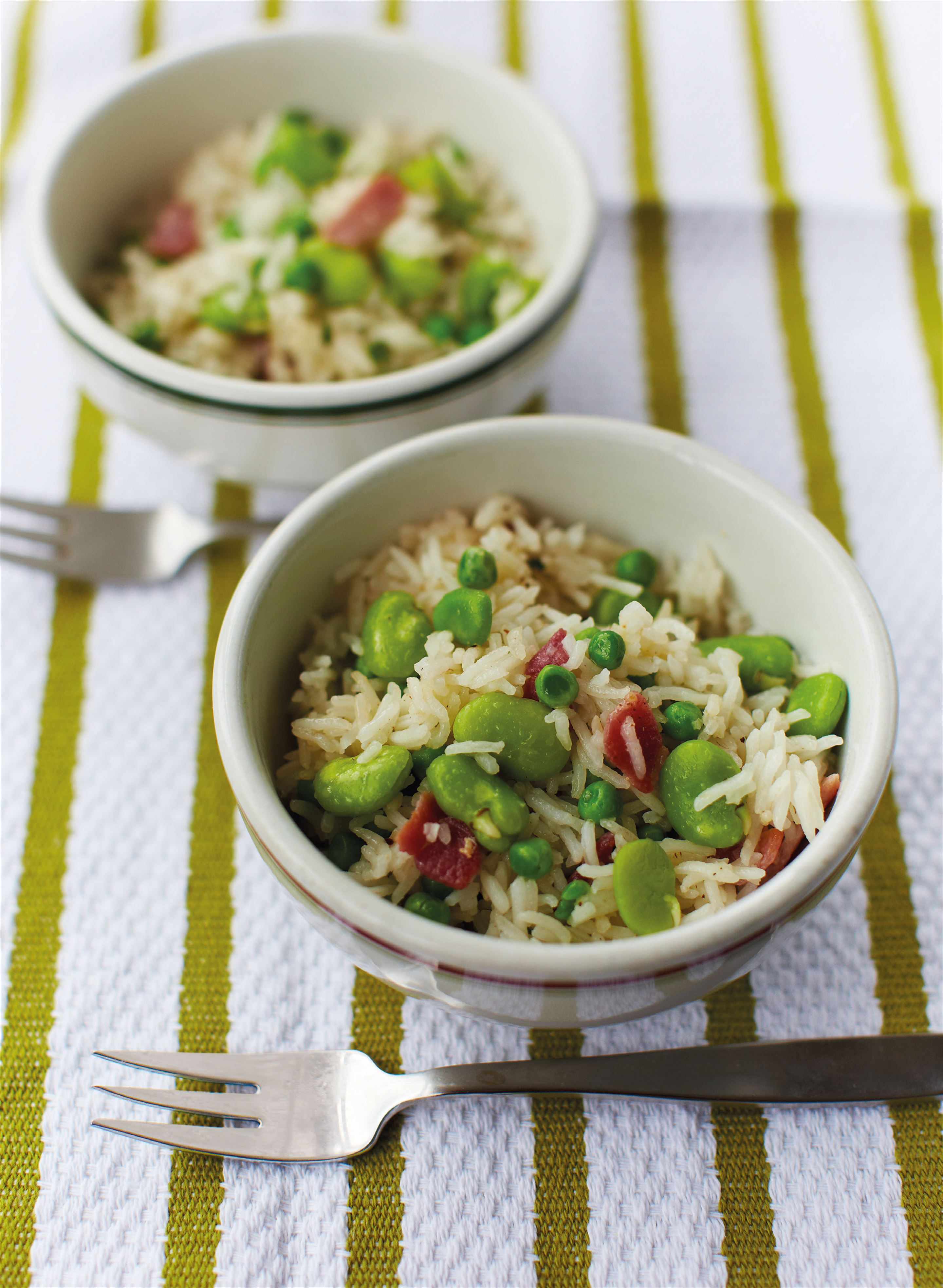 Rice with peas, broad beans and bacon