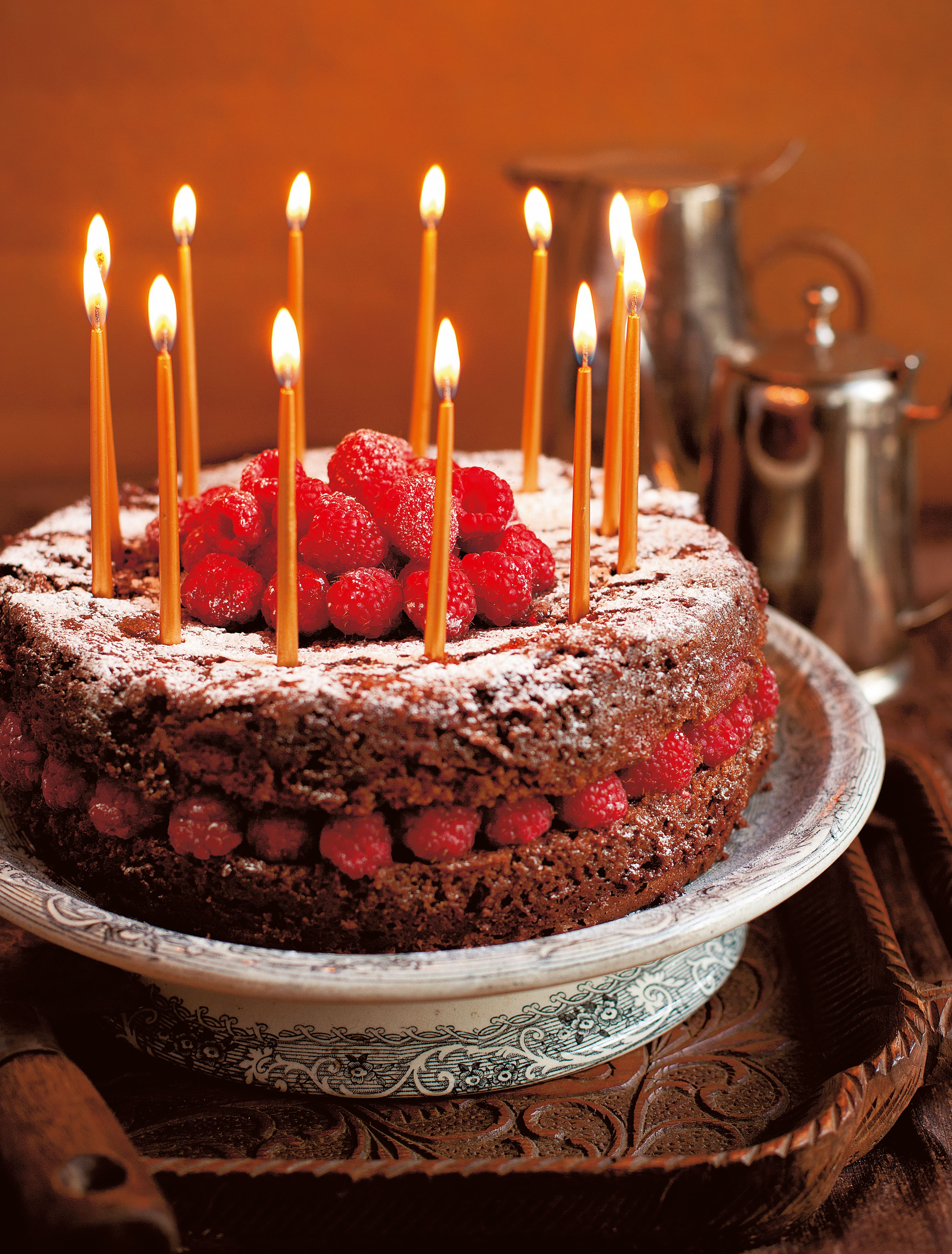 Allergen-free chocolate cake