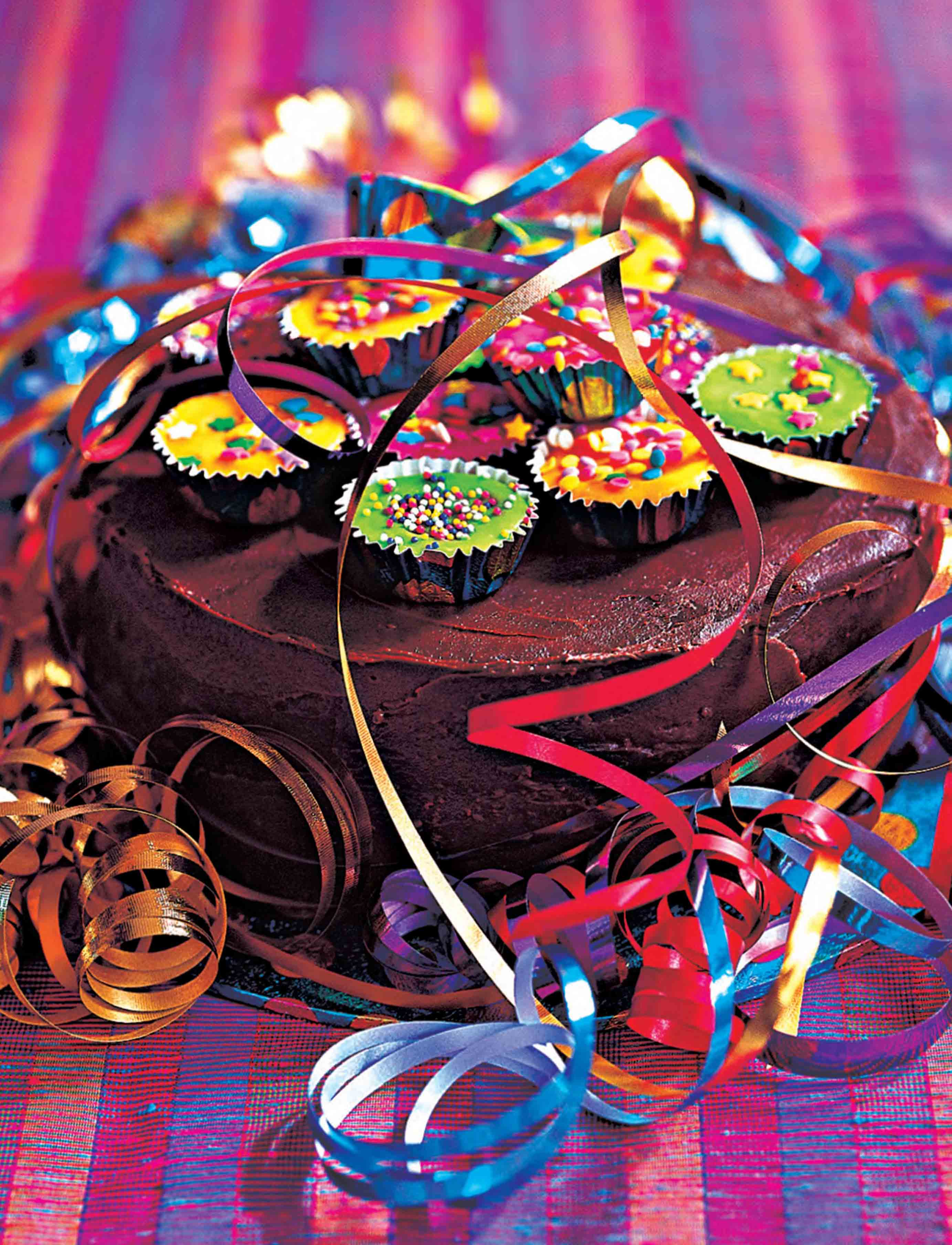 Party cake with streamers