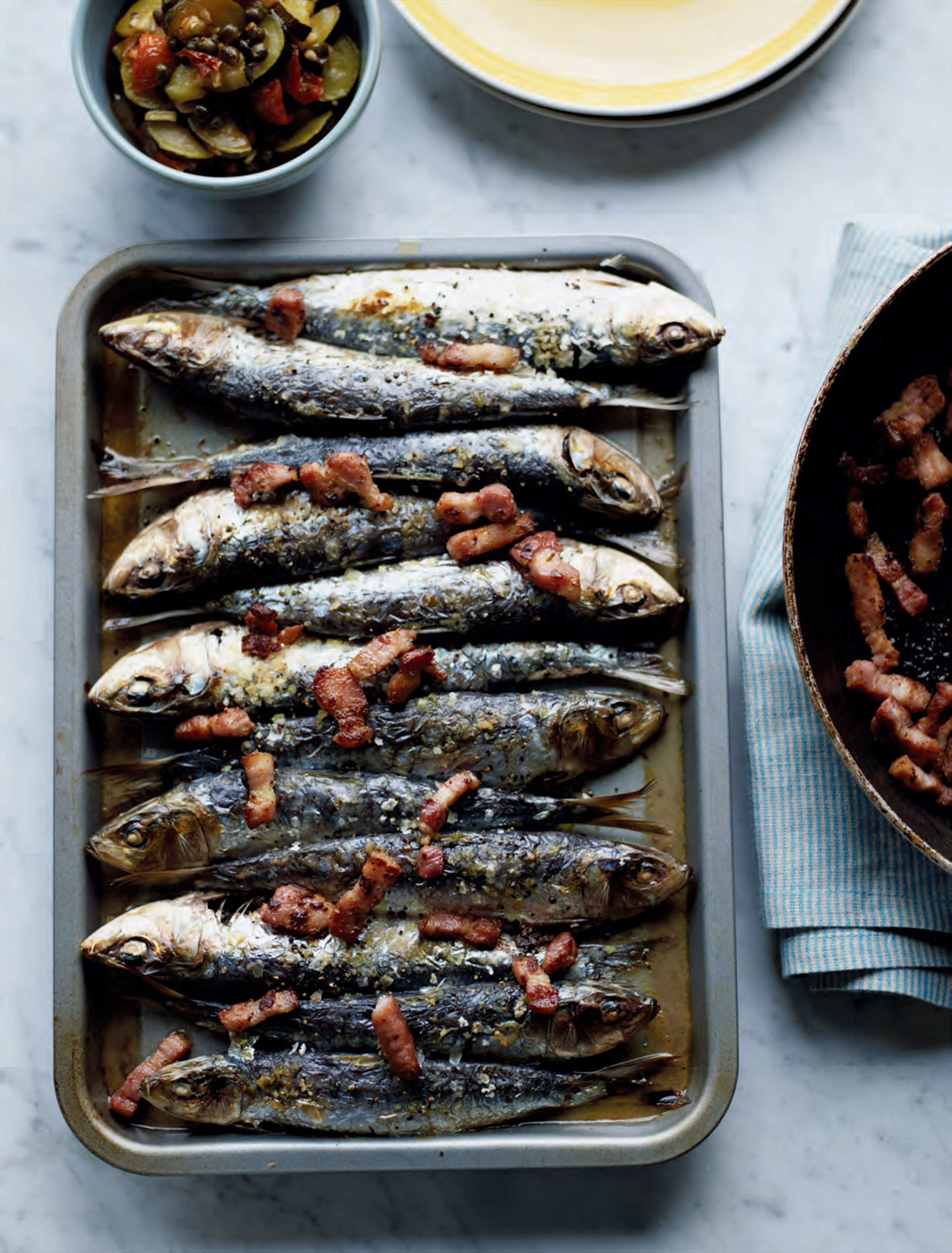 Grilled sardines with bacon & tomato chutney