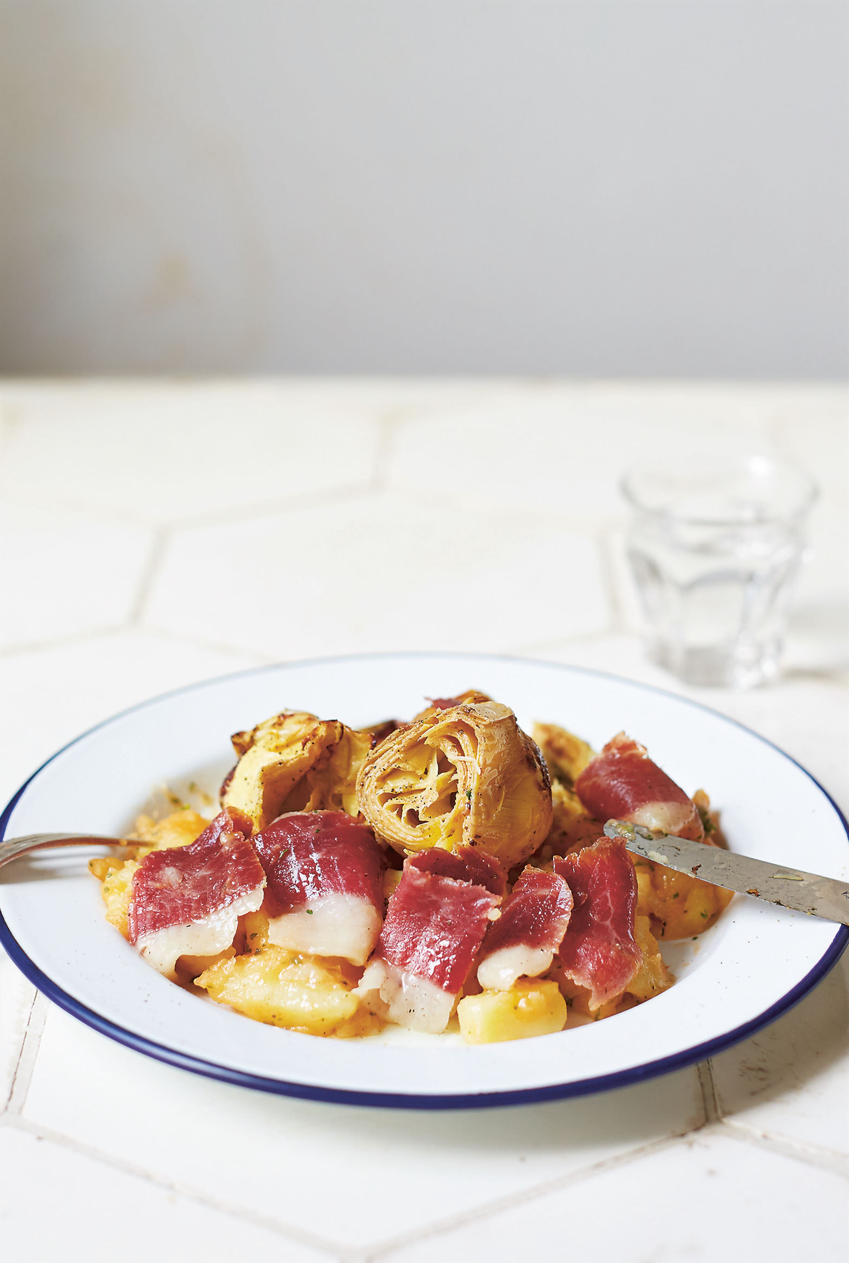 Potato, artichoke and jamón