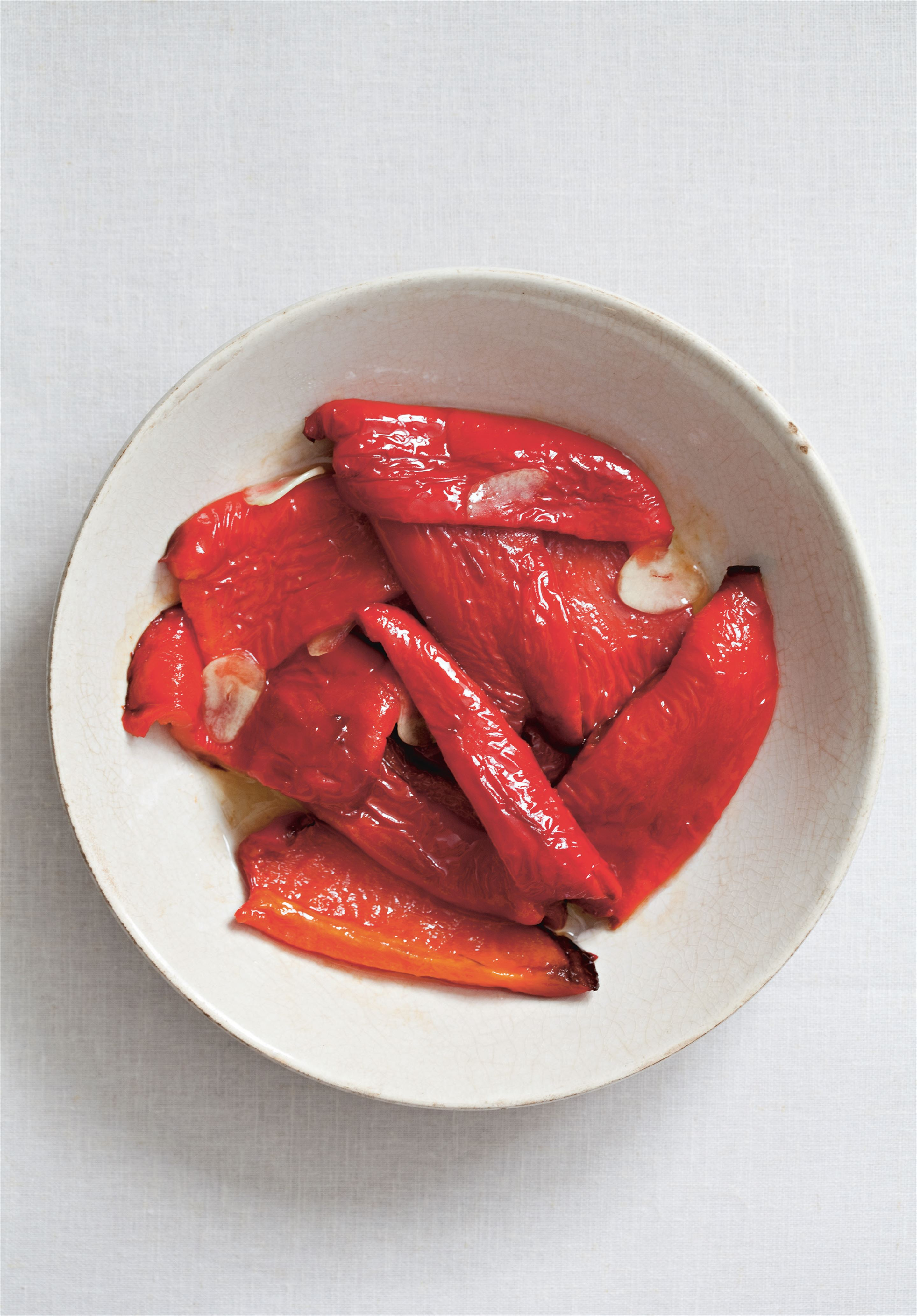 Smoky red peppers with garlic