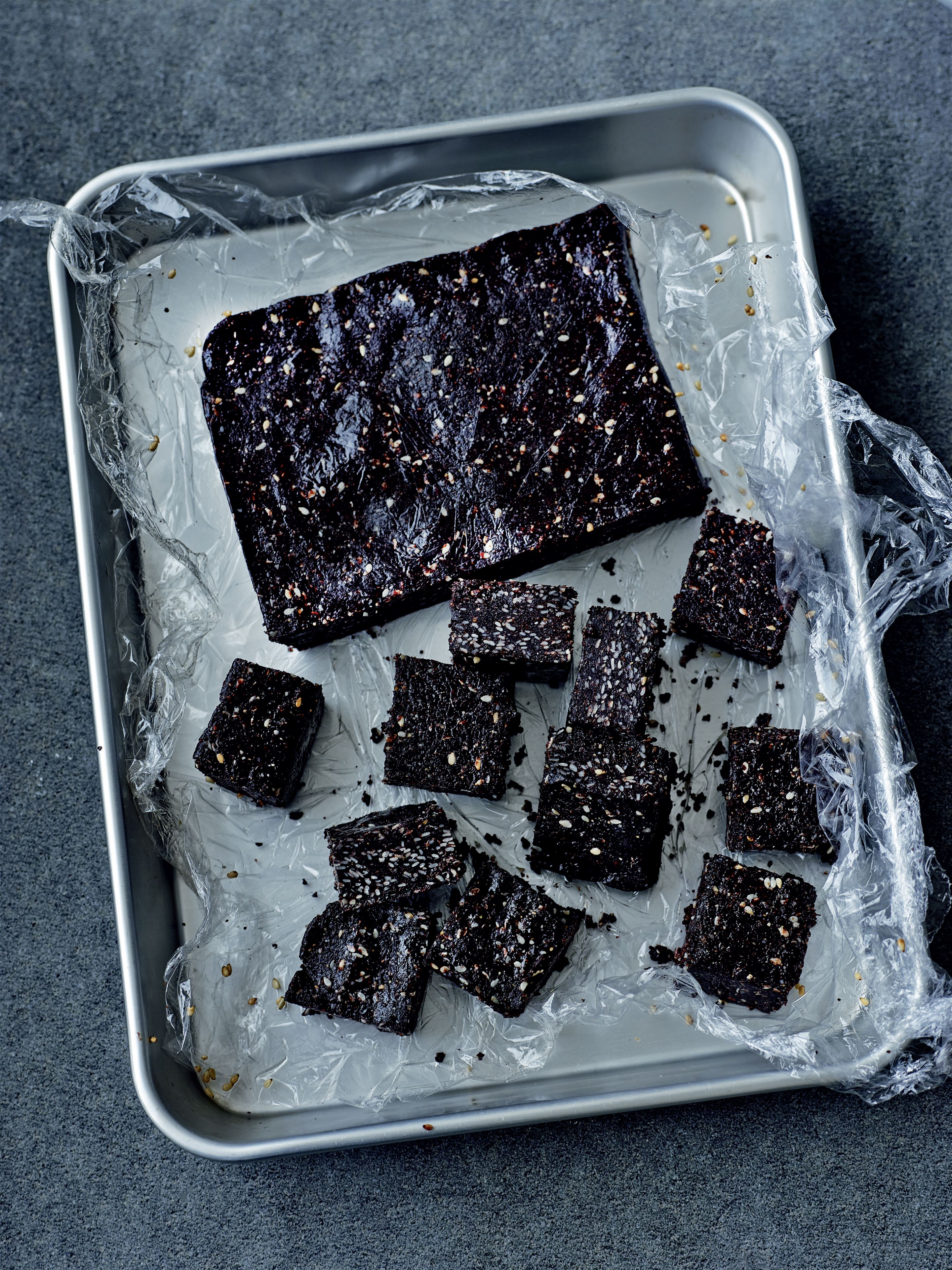Sesame chocolate fudge