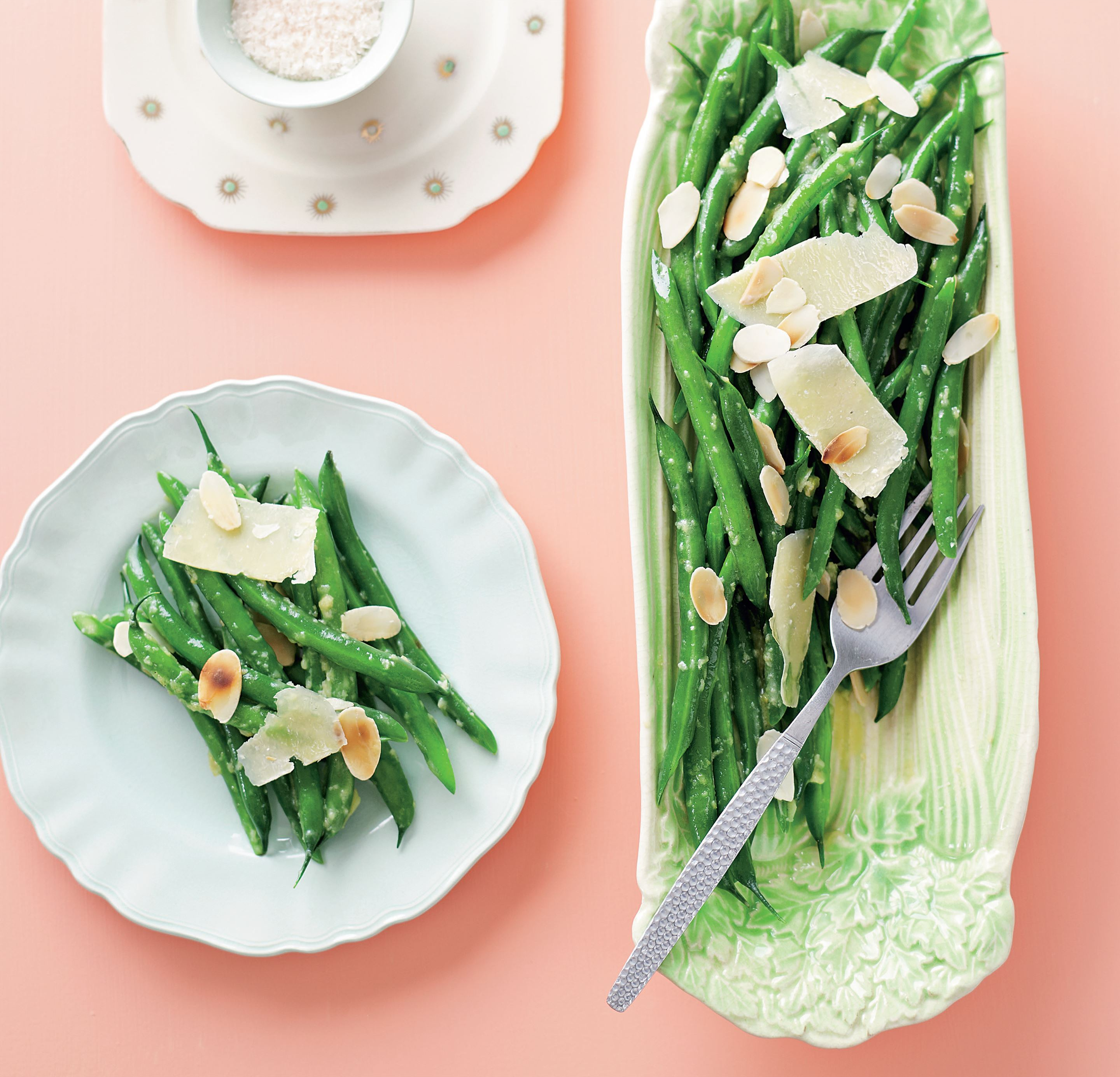 Garlic green beans with parmesan and almonds