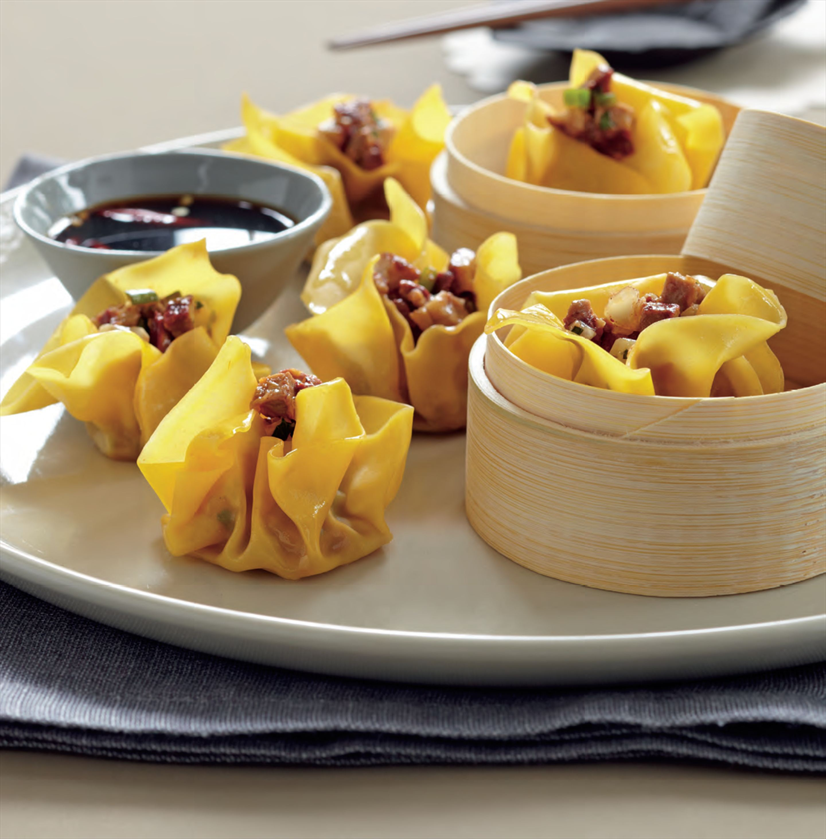 Peking duck and macadamia wontons