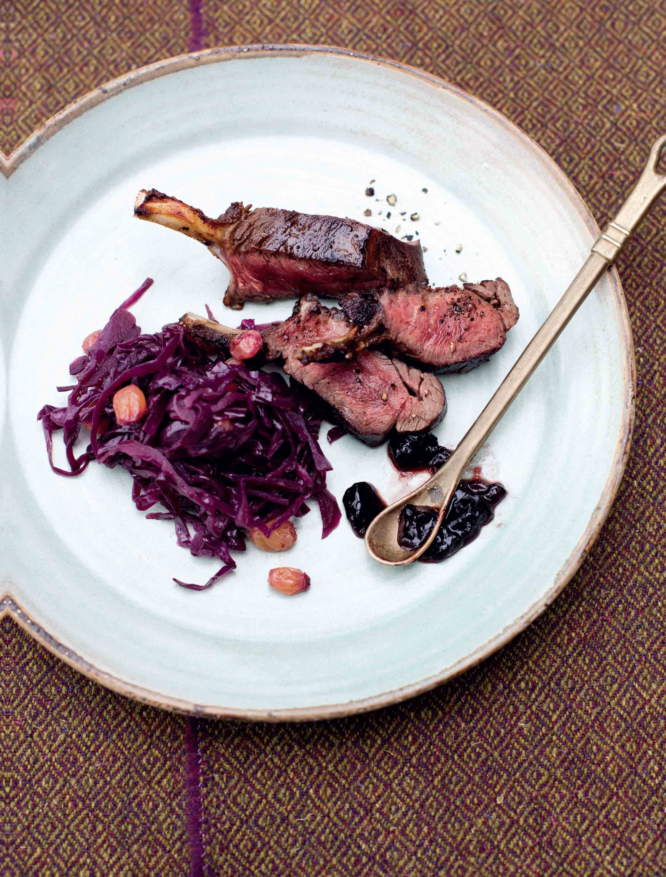 Roasted rack of venison with spiced red cabbage