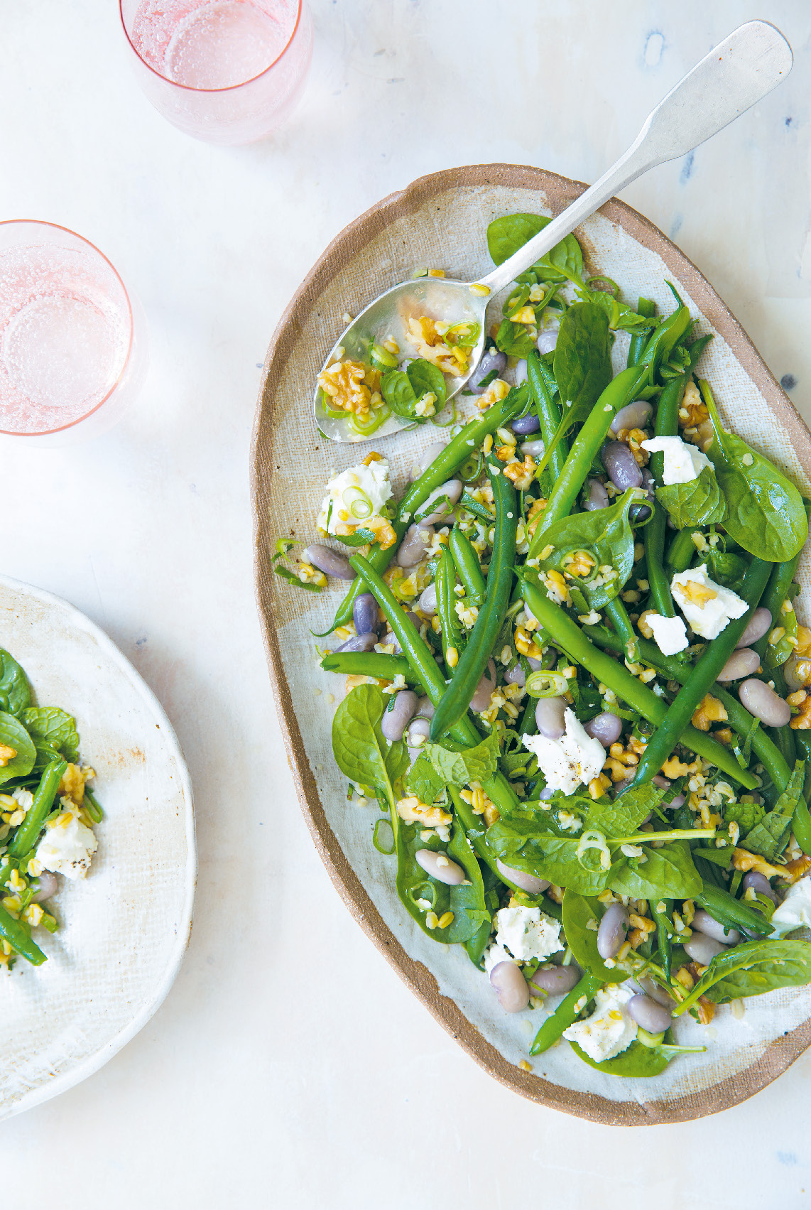 Green wheat, borlotti and green bean with goat's cheese, walnuts and mint