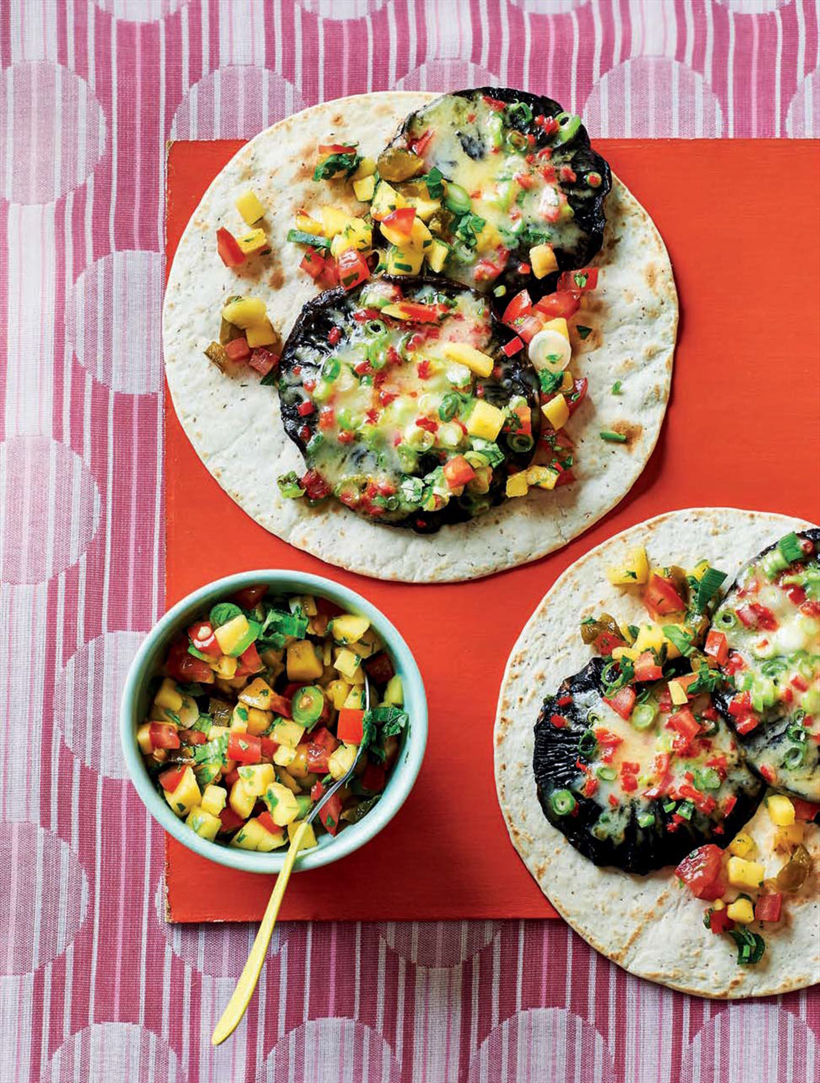 Chargrilled mushrooms & mango salsa