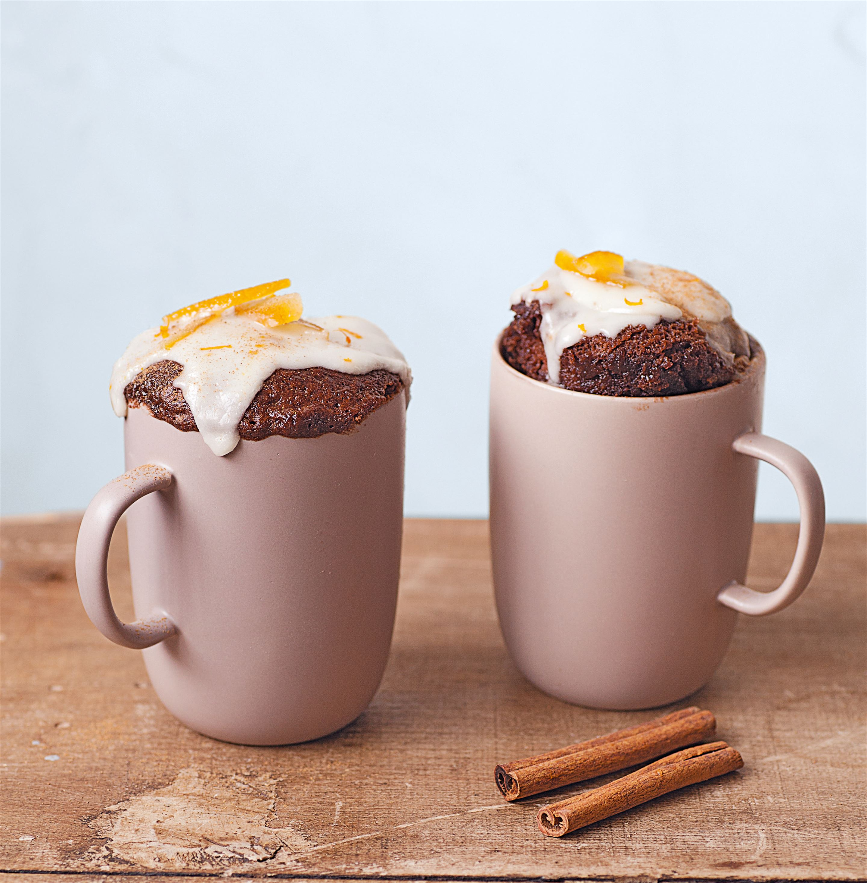 Chocolate-orange mug cake with cinnamon & icing