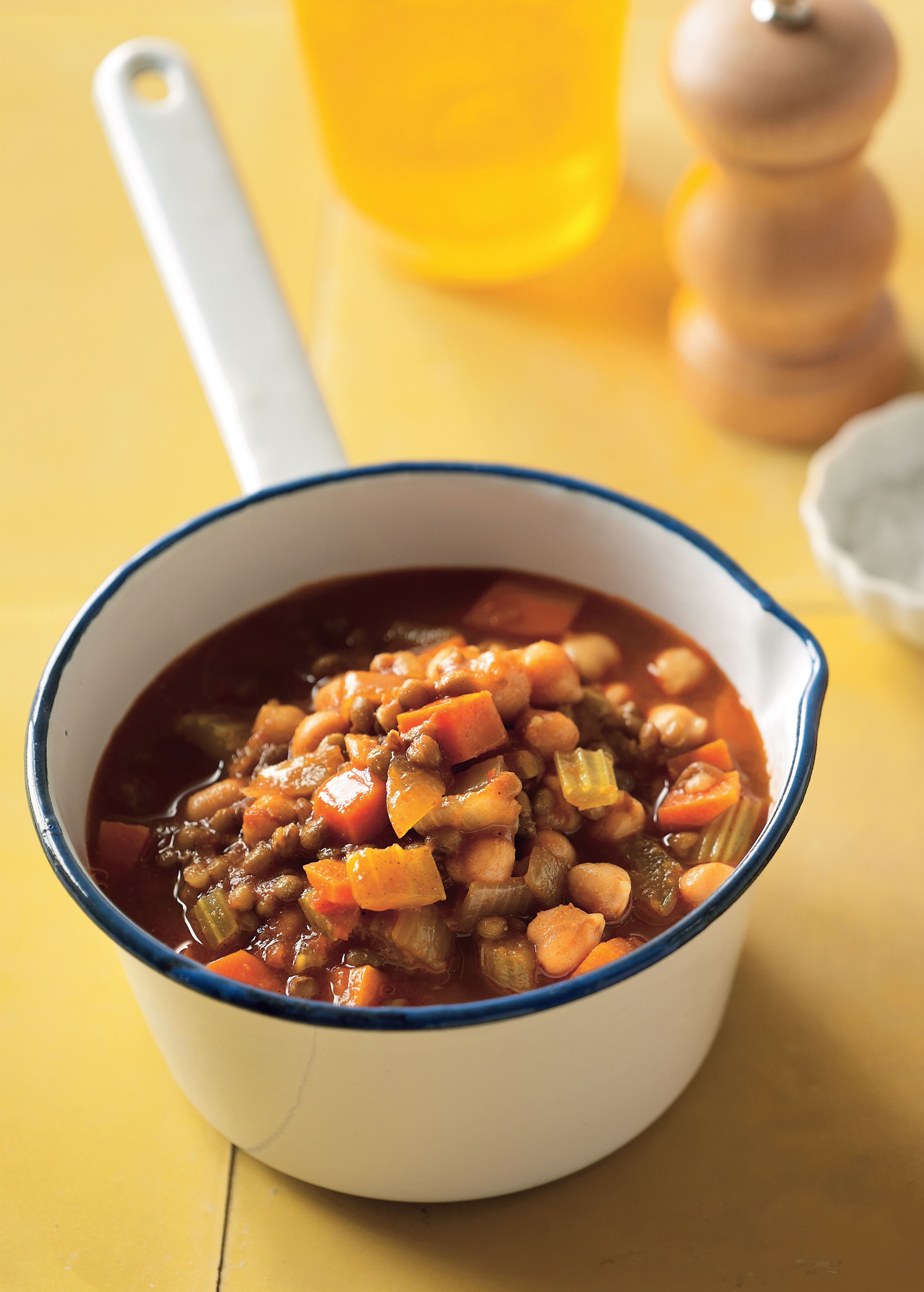 Moroccan chunky chickpea and harissa soup