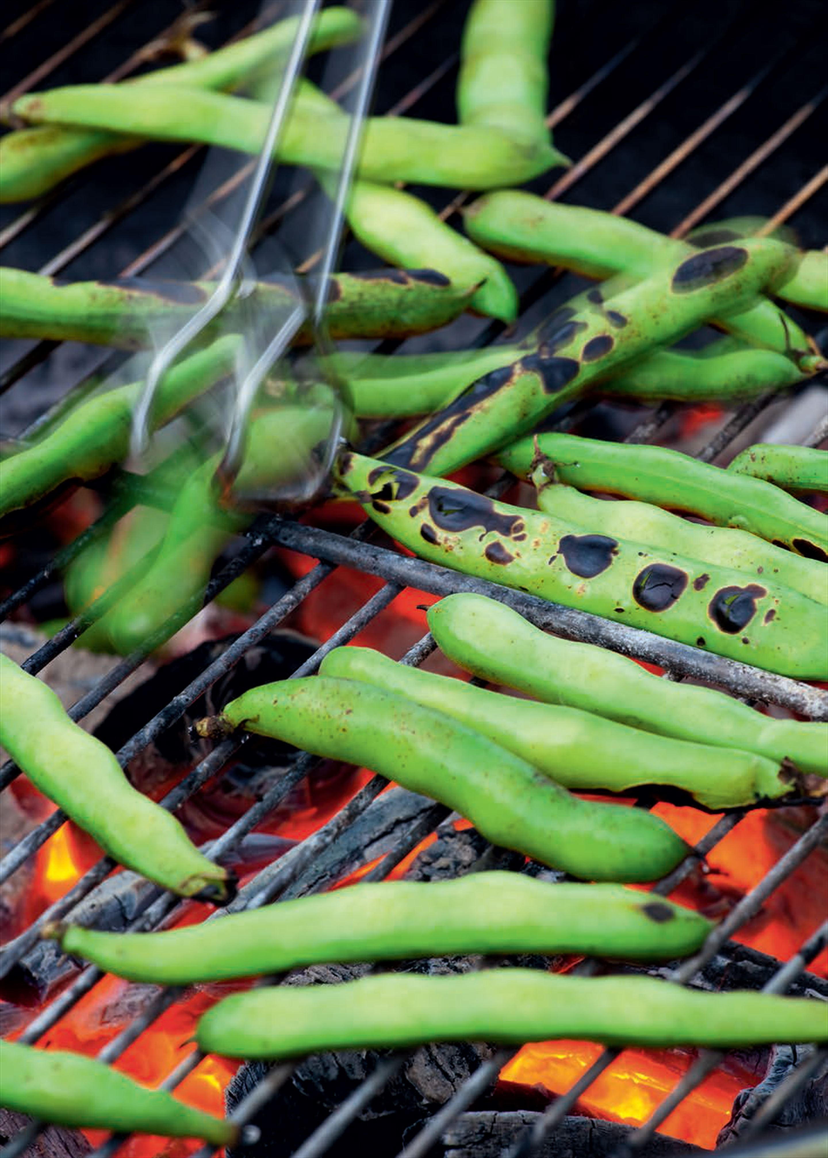 Barbecued broad beans with Pecorino