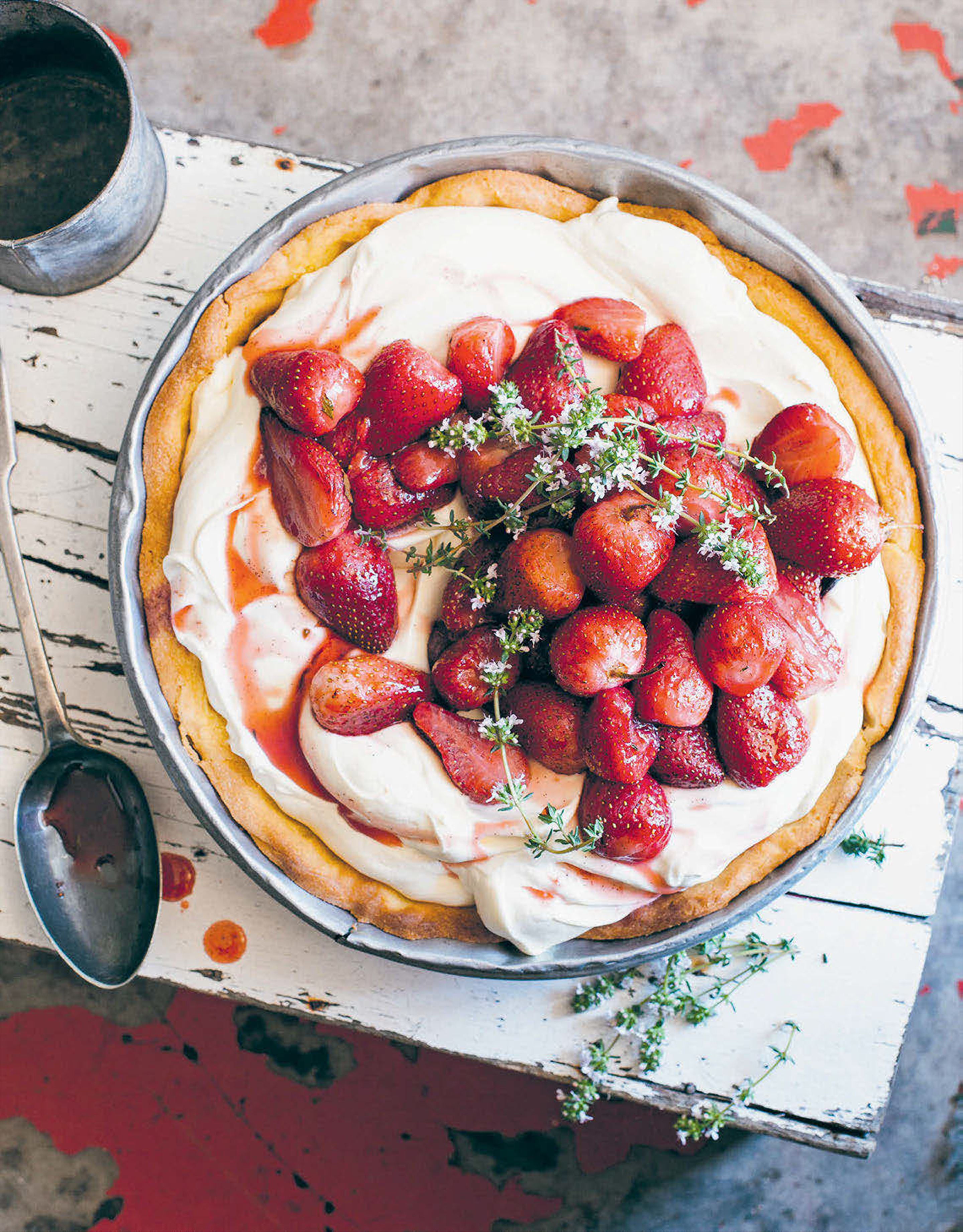 Roasted strawberries and cream pie