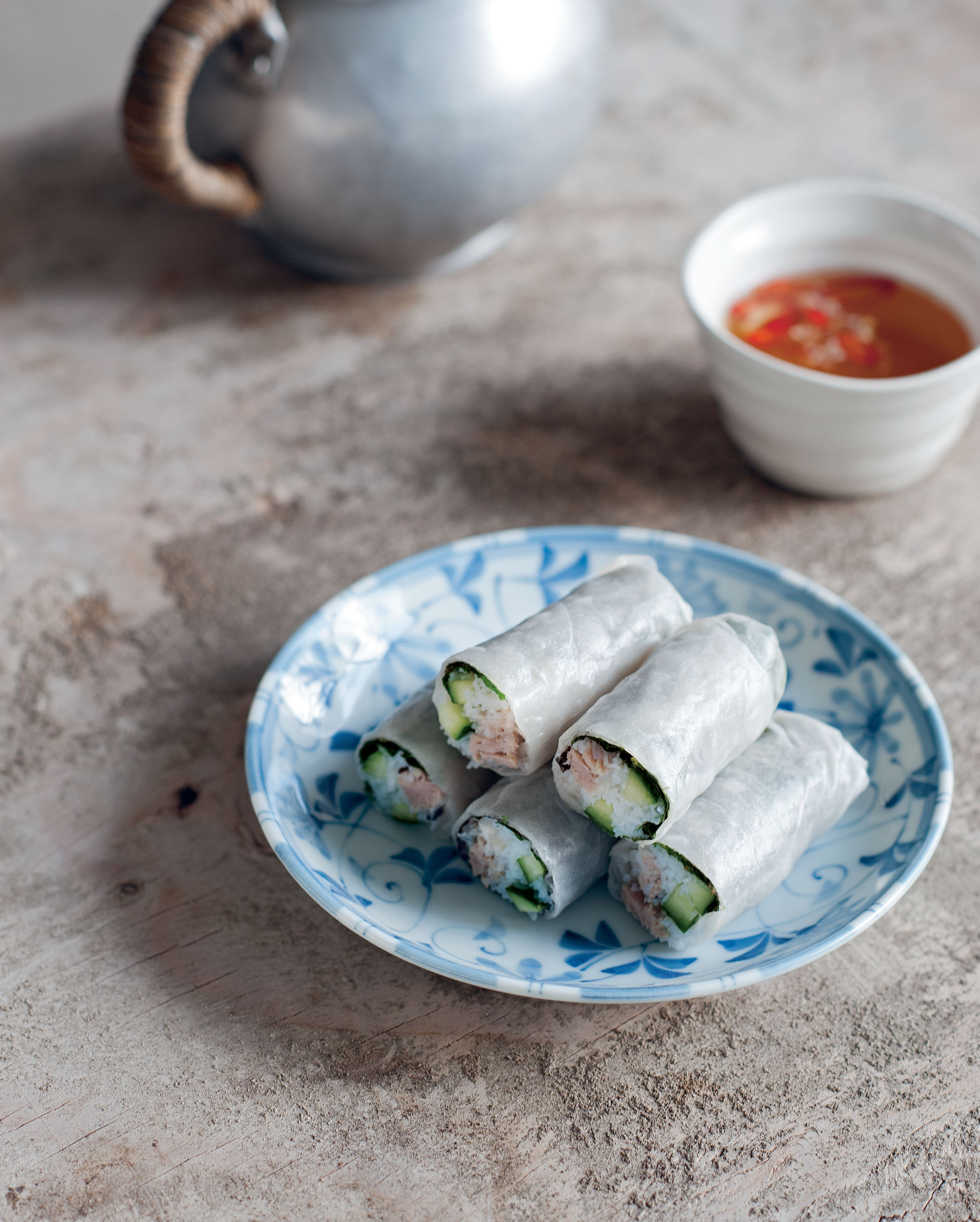 Steamed mudfish rolls with pork and noodles