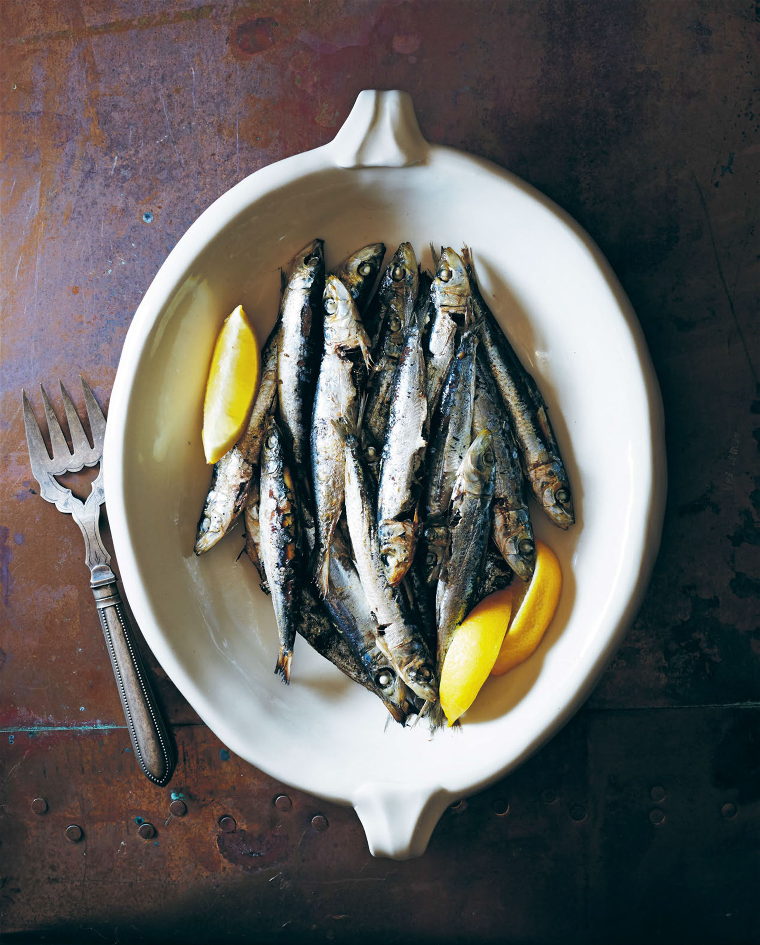 Barbecued fresh anchovies
