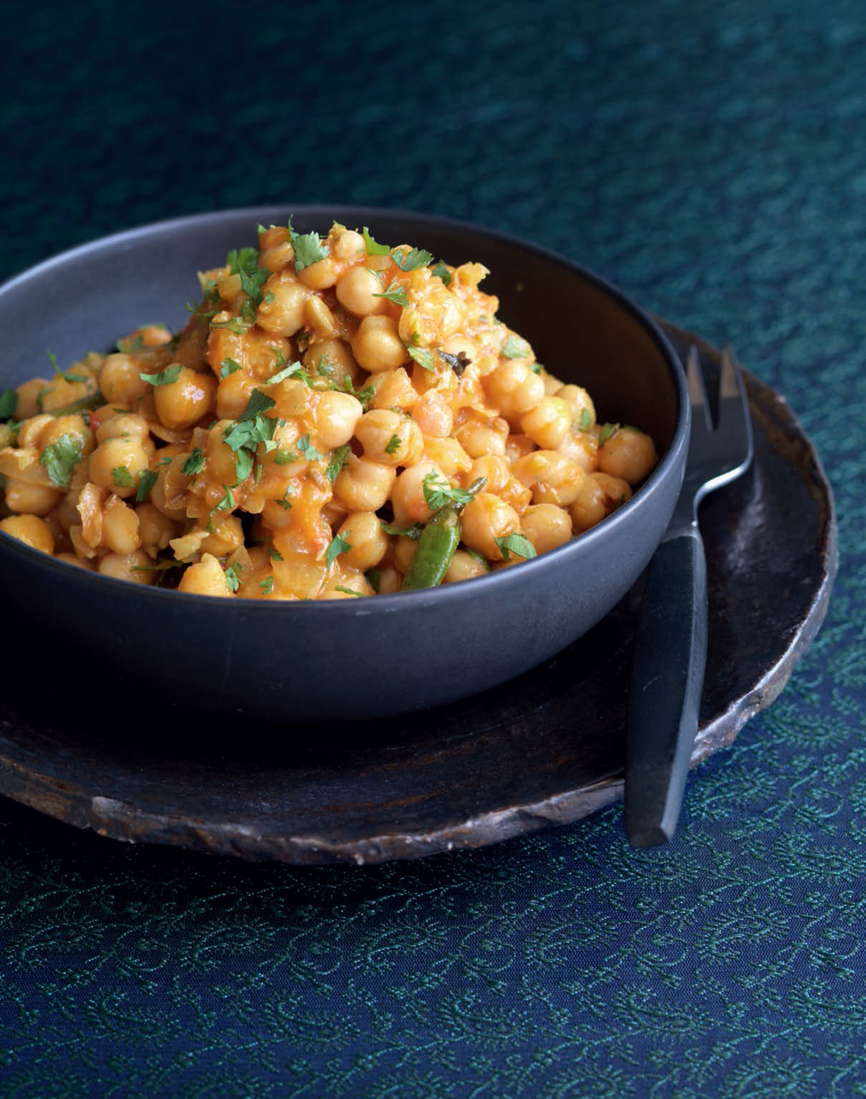 Tangy chickpea curry
