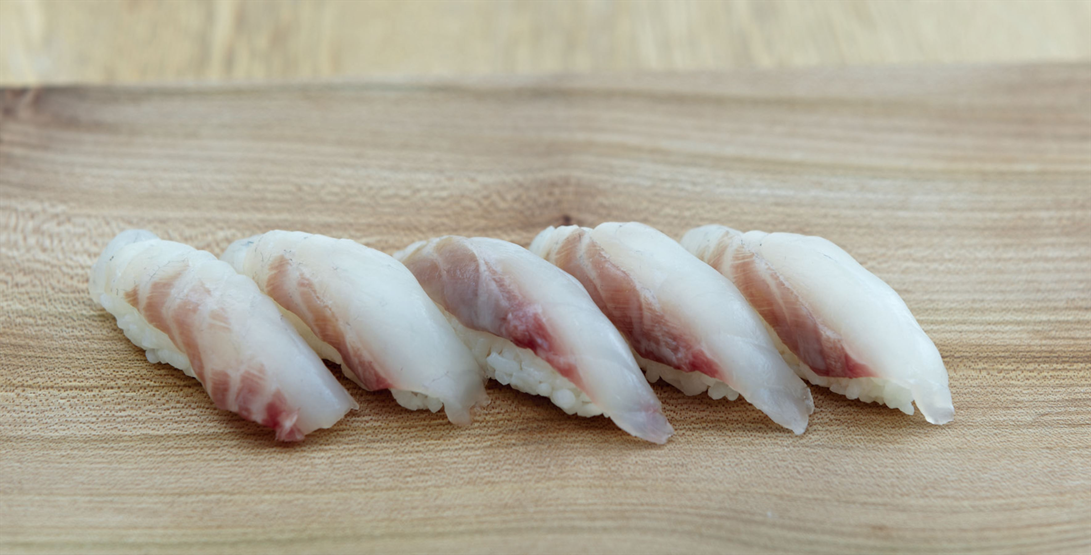 Sea bream nigiri