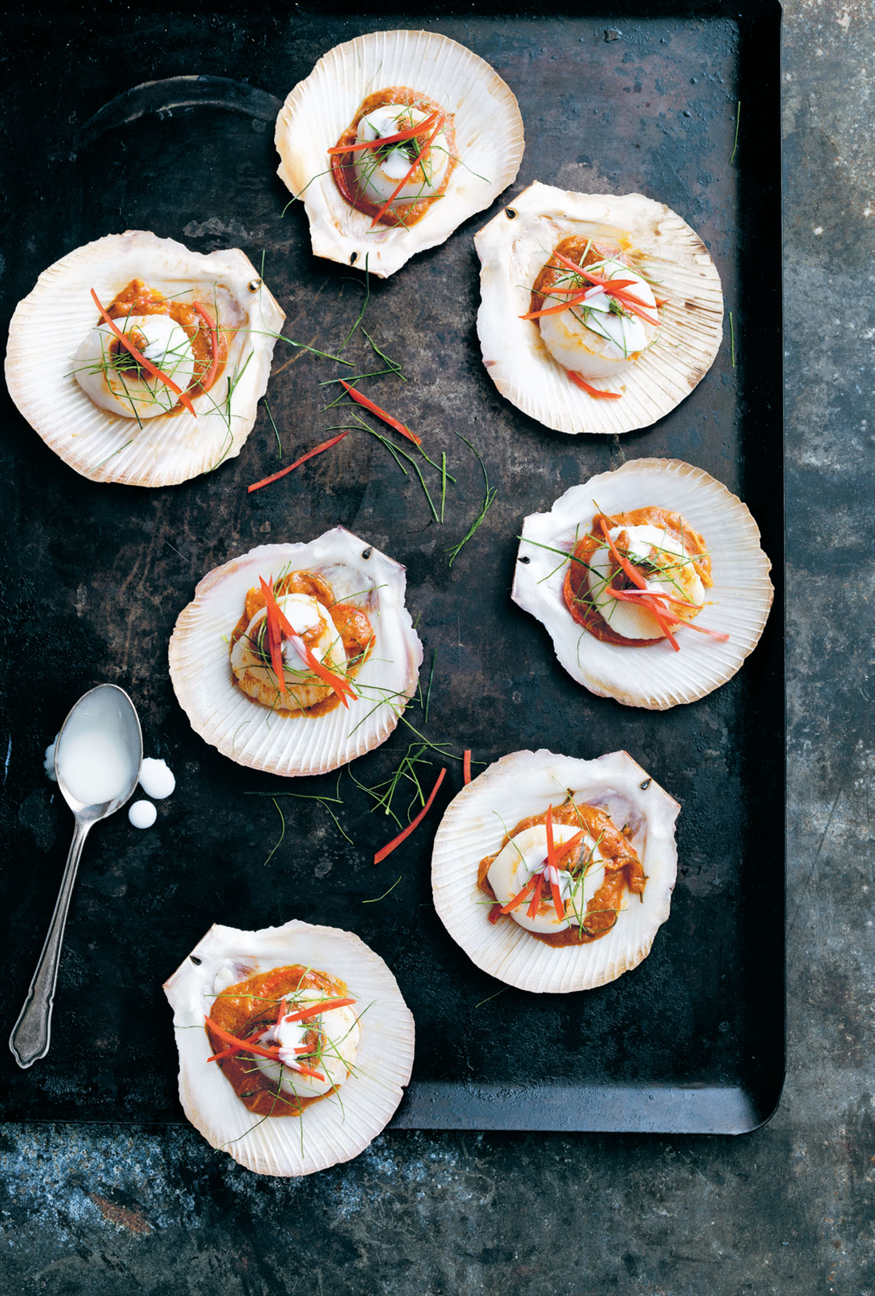 Scallops with rich red curry
