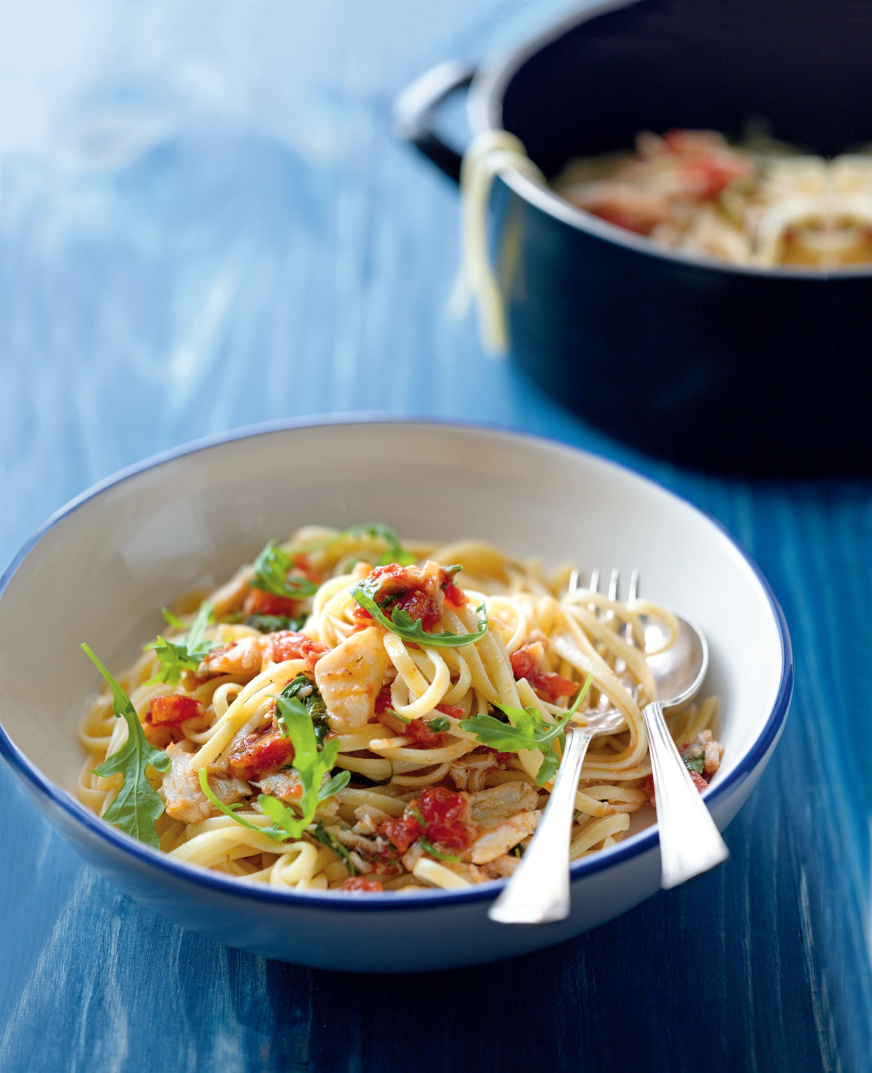 Crab and rocket linguine