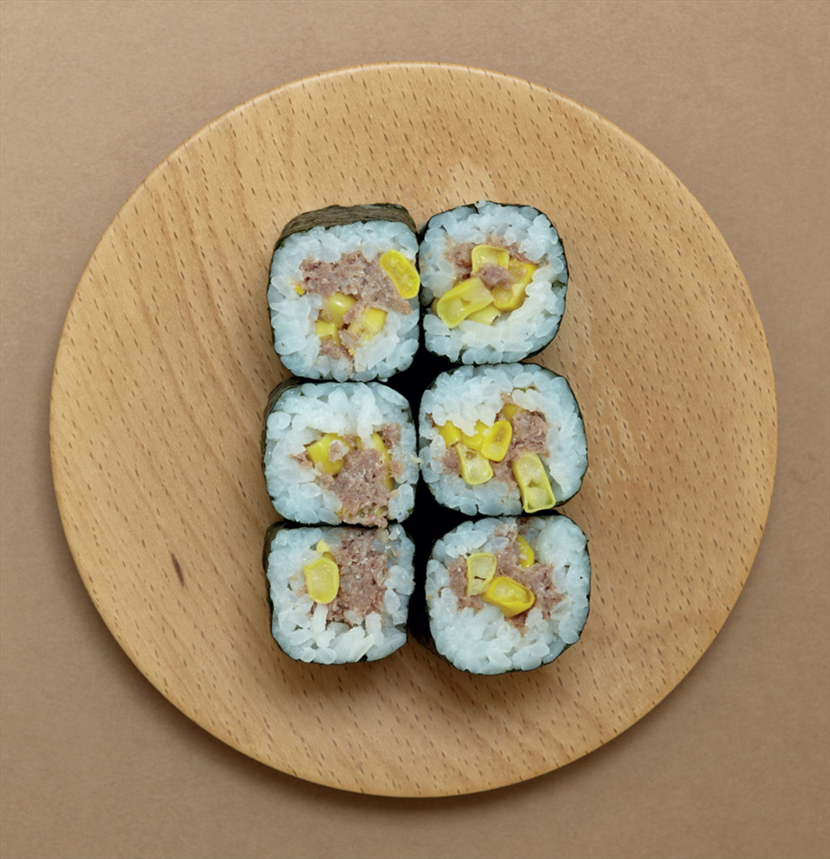 Corned beef and sweetcorn hosomaki rolls