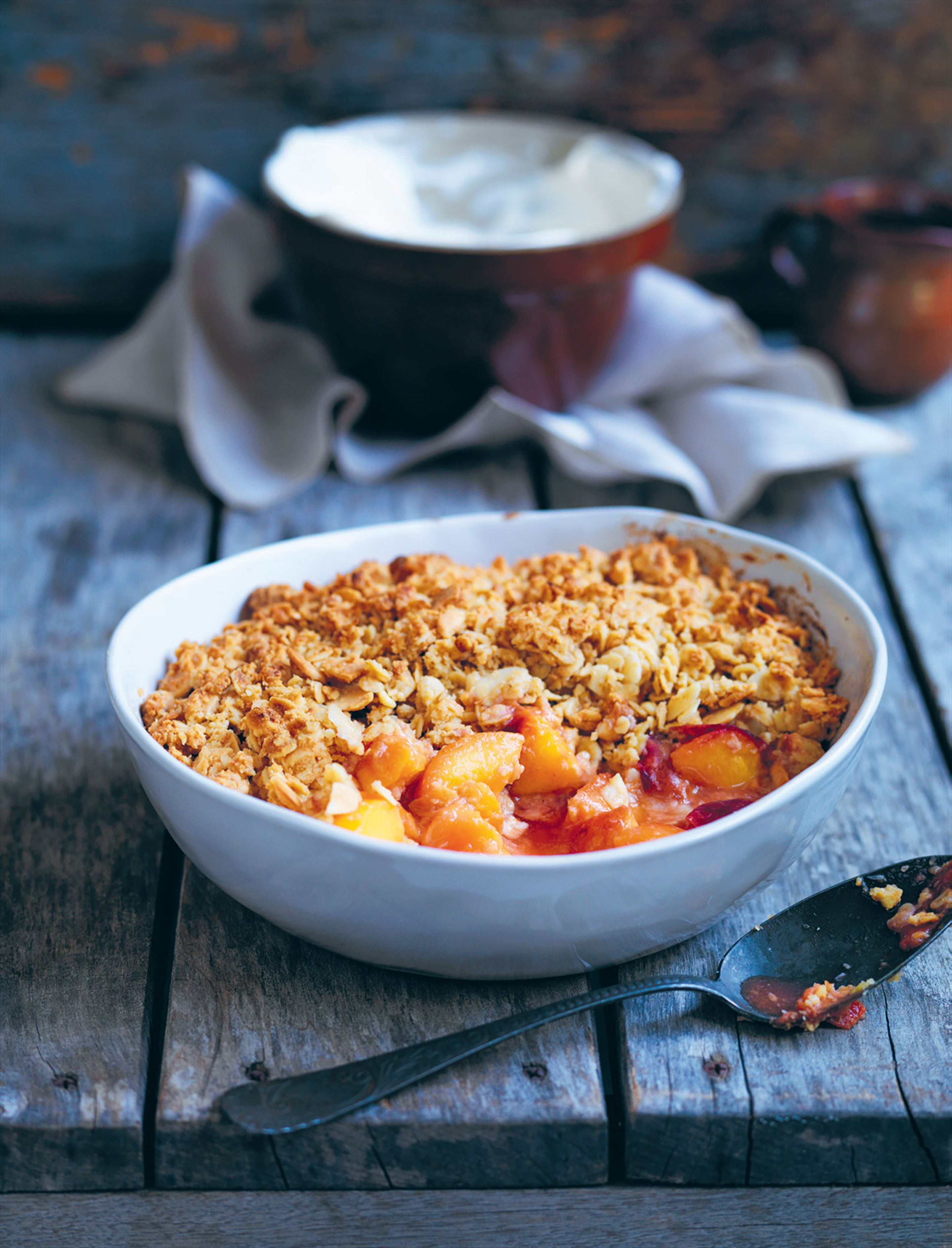 Peach almond crumble