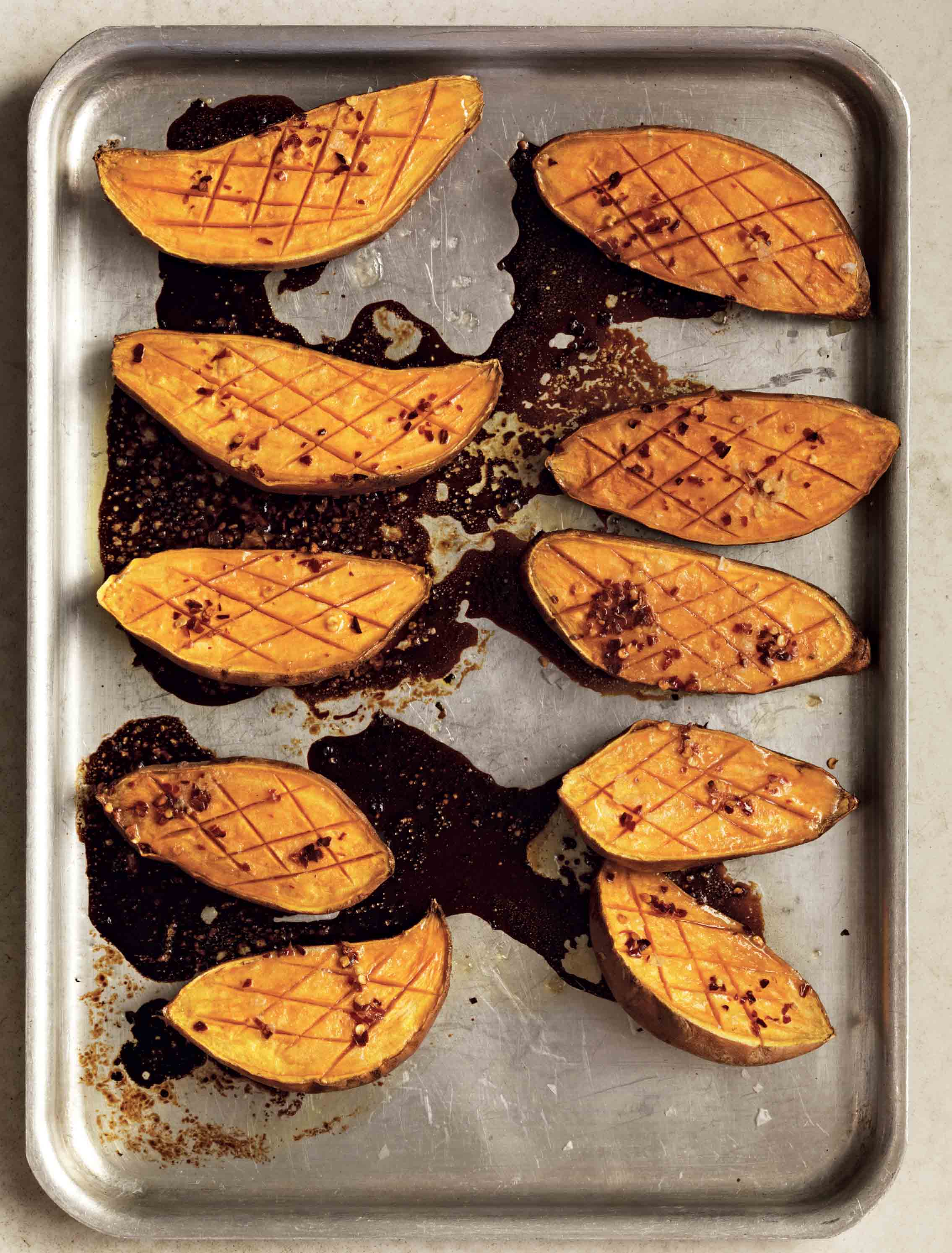 Baked sweet potatoes with honey and chilli