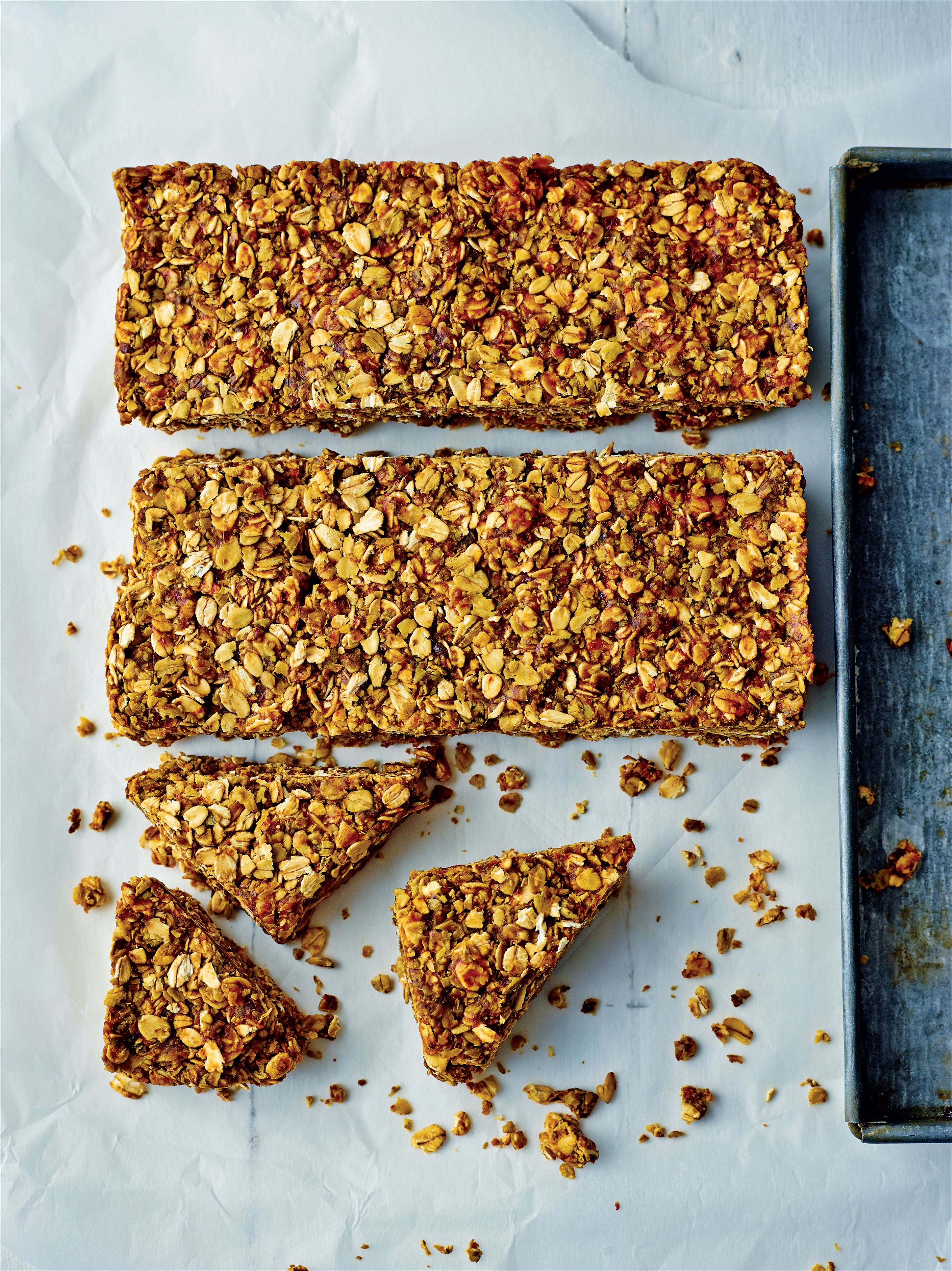 Date and green tea oat bars