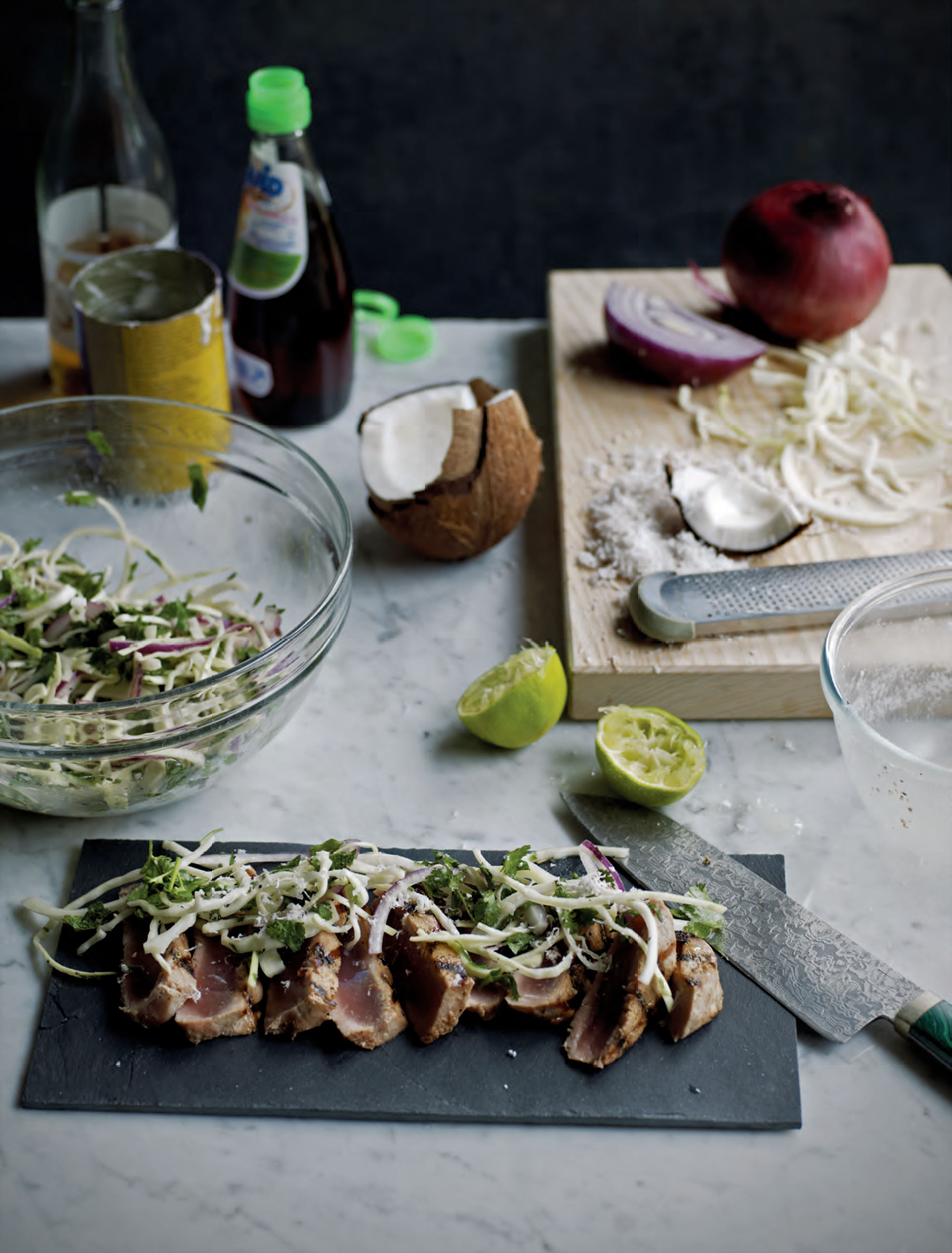 Seared tuna with coconut chilli chutney & cabbage salad