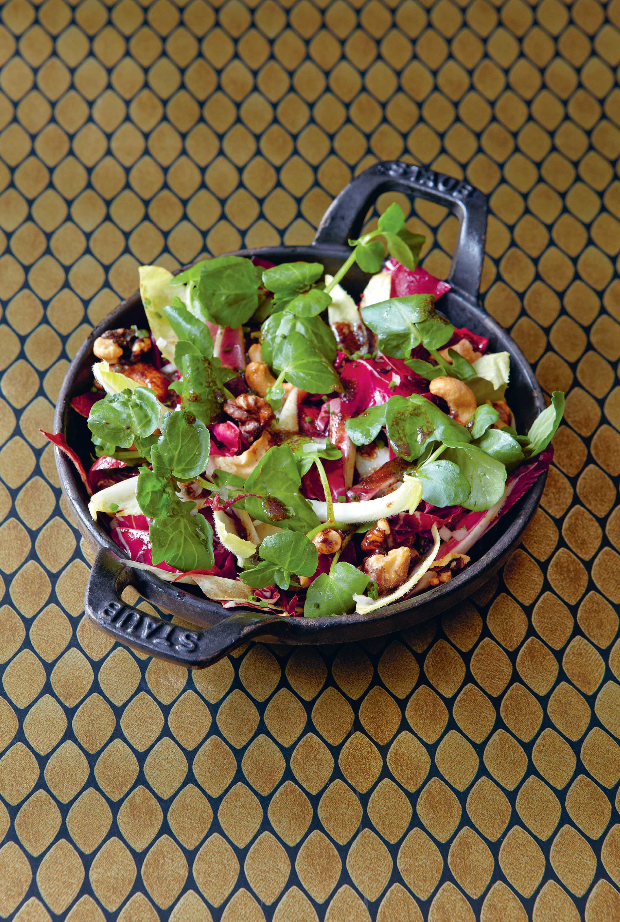 Endive, radicchio & watercress with nuts