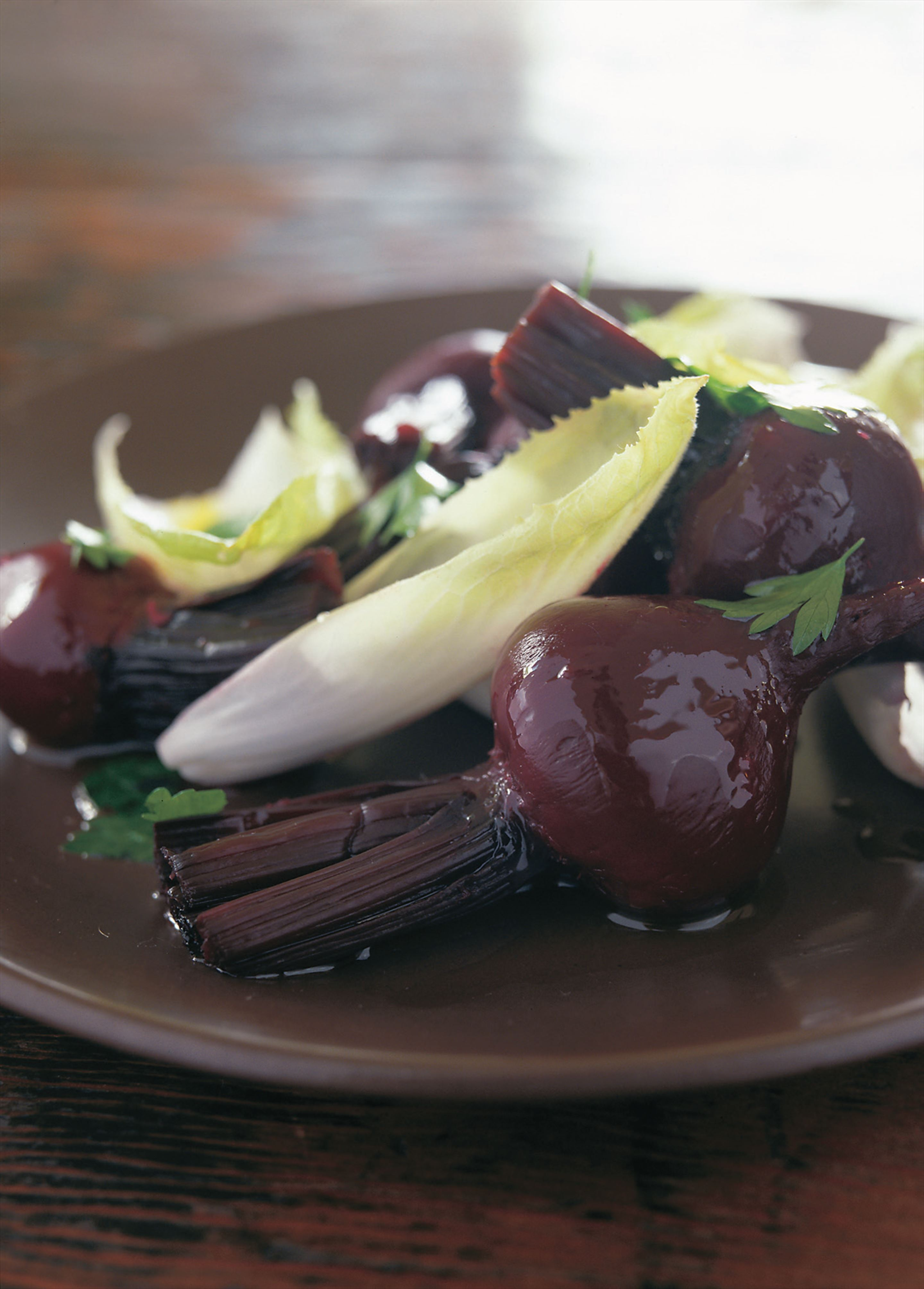 Beetroot and endive salad