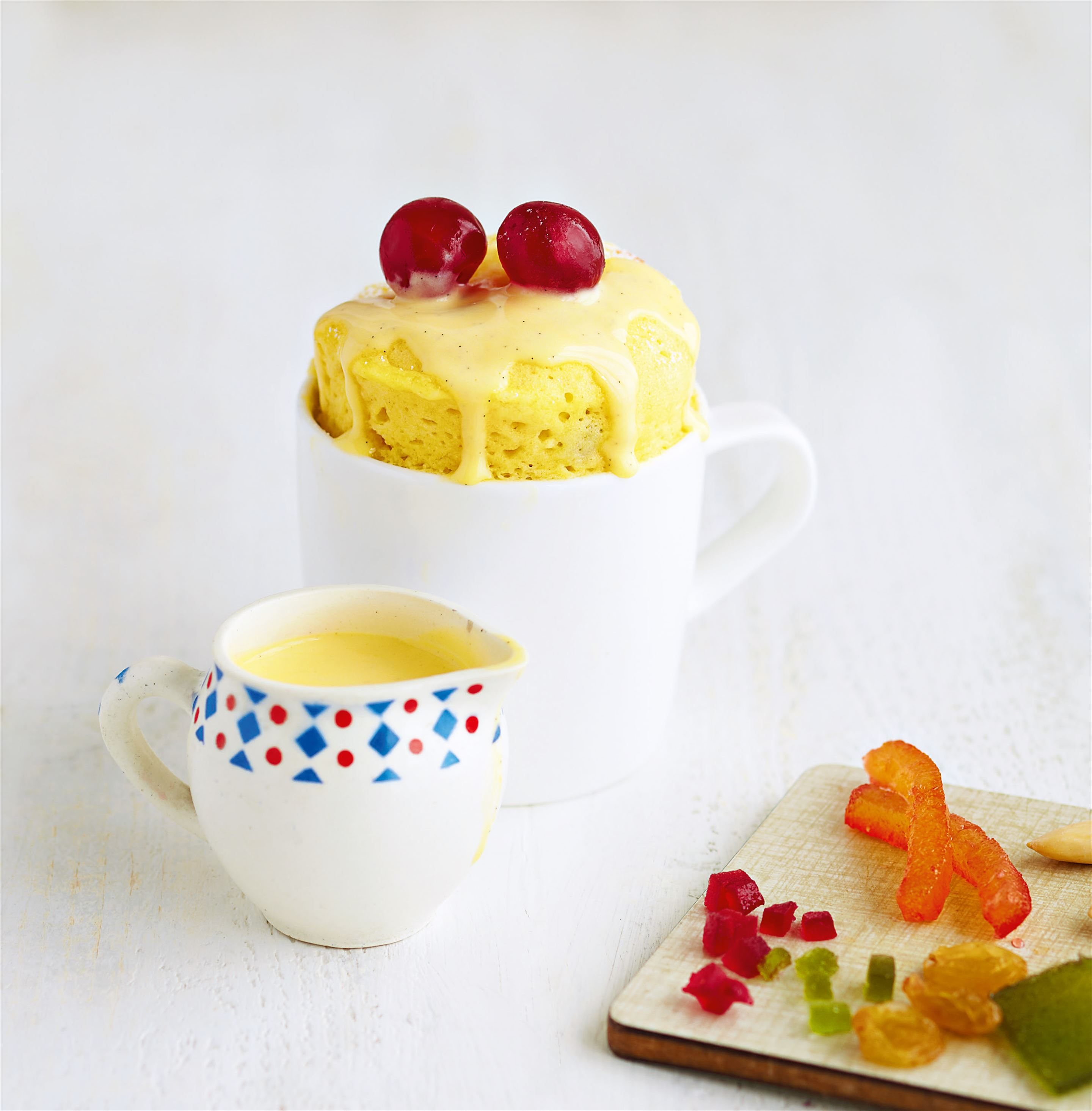Candied fruit mug cake