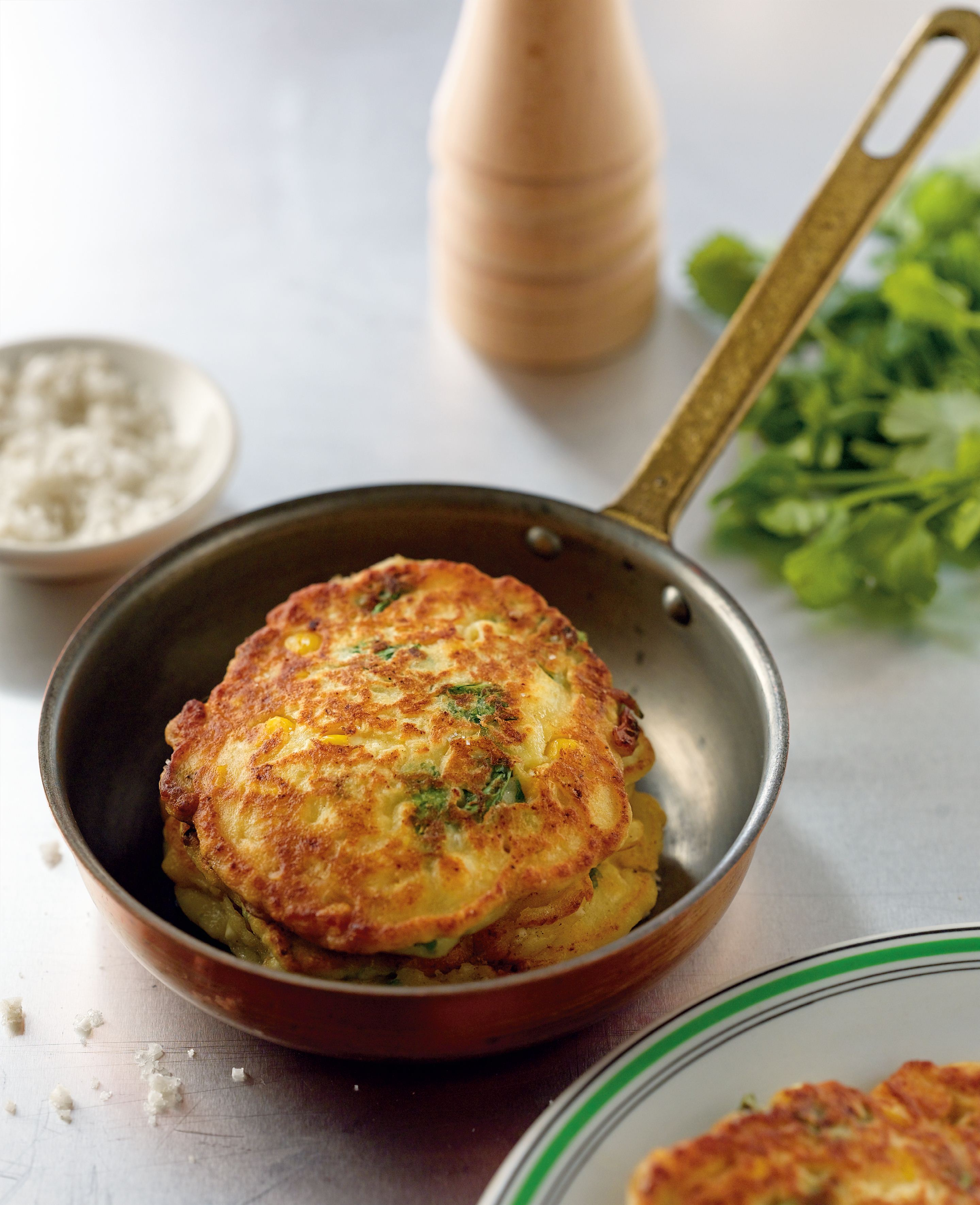 Corn and coriander hotcakes
